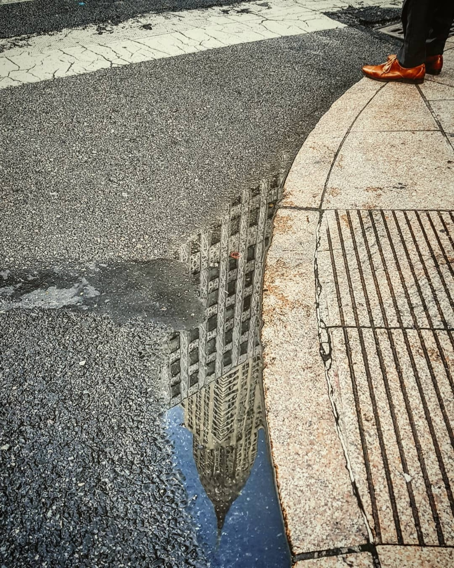 Reflection of Empire State Building, Midtown, Manhattan.