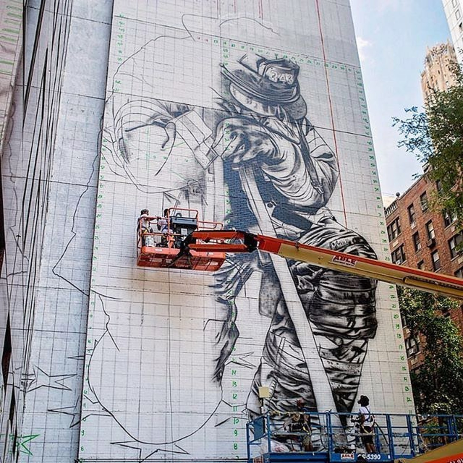 Another @kobrastreetart masterpiece takes shape at 150 East 49th Street Manhattan. It'll be a tribute to NYC firefighters. Providing the necessary lift to the artist are @jlgindustries and @genie_lift. Thanks @johndomine1 for the photo. #eduardokobra #ableequipment #ableequipmentrental #kobrastreetart #kobrapaint #urbanphotography #urbanstreetart #nycartist #brazilart #johndomine1 #fdny #nycrealestate #manhattanrealestate #mewp #firefighter #publicart #constructionphotography #constructionequipment #nycbravest #muralist #nycmurals