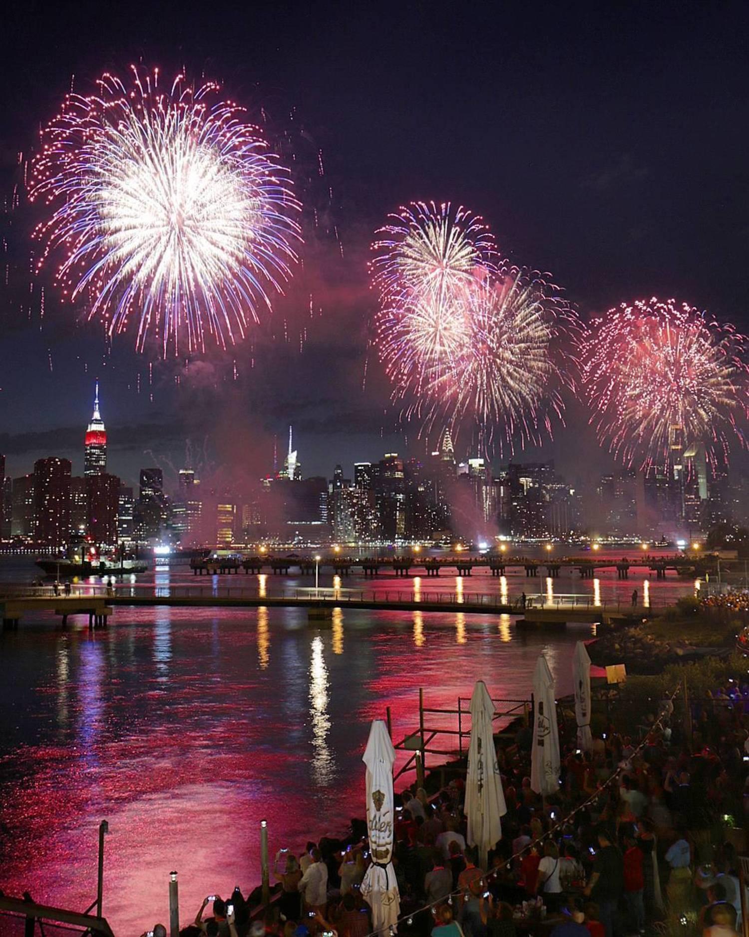 Happy Birthday, America! 🎁  #MacysFireworks #FourthofJuly