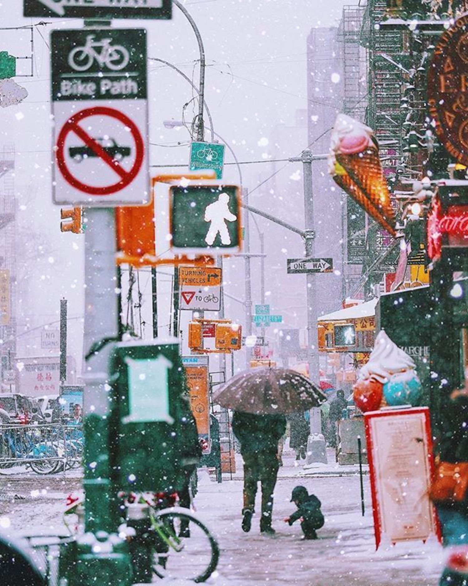 New York, New York. Photo via @golden2dew #viewingnyc #newyorkcity #newyork #nyc #snow
