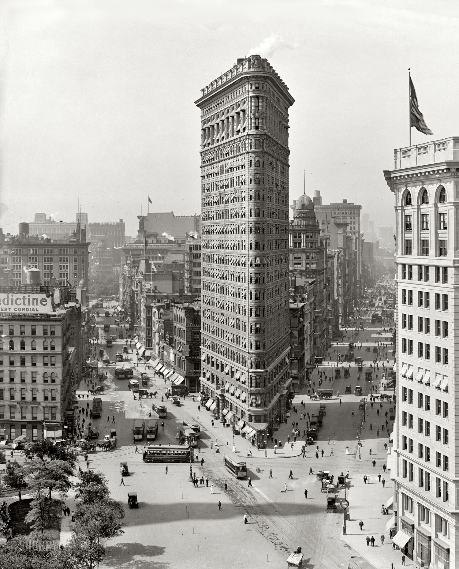 Panorama of Madison Square. (1909)