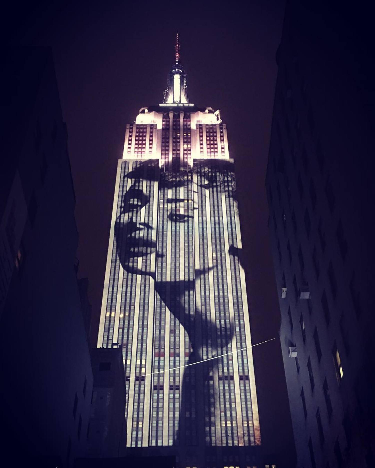 Audrey Hepburn - Harper's Bazaar 150th @harpersbazaarus #empirestatebuilding #harpersbazaar #BAZAAR150 #harpersbazaar150 #ny #nyc #newyork #manhattan #nbc4ny #abc7ny #nycprimeshot #nycprime_ladies #timeoutnewyork @tiffanyandco #tiffanyandco #audreyhepburn