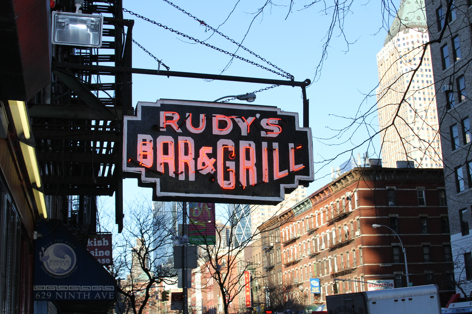 Rudys Bar | One of the best dive bars in NYC
