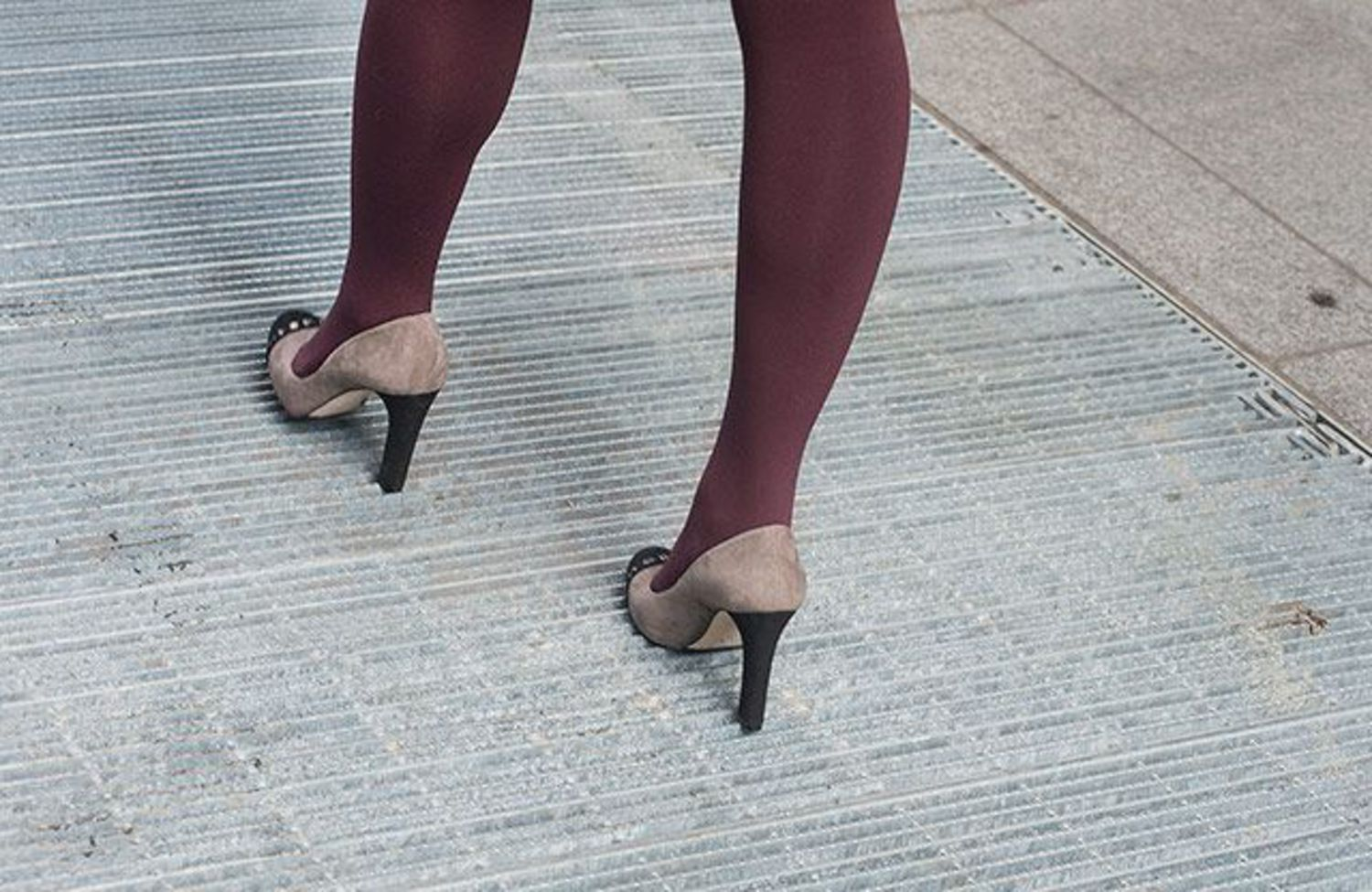 Heel-Friendly Subway Grates