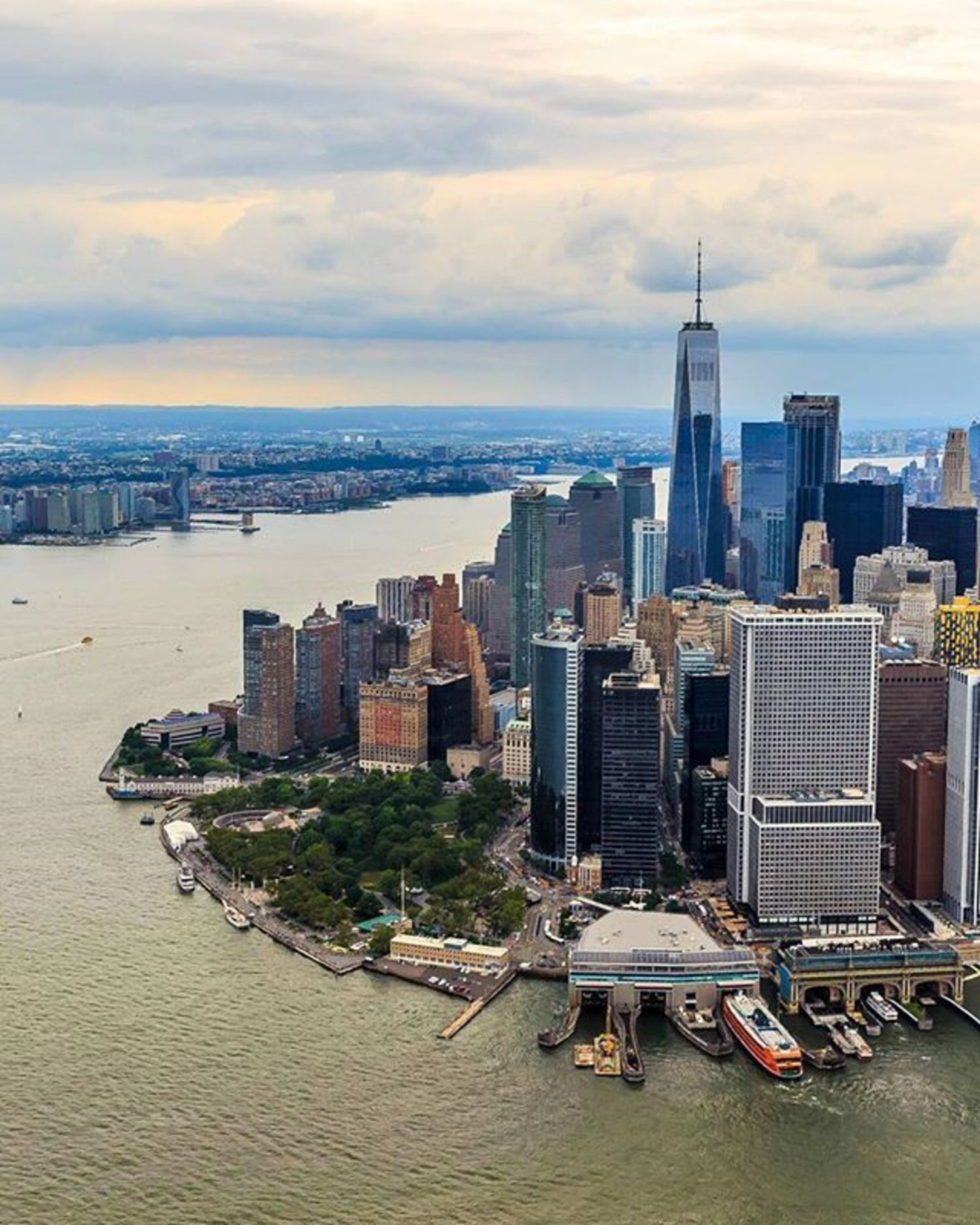 Lower Manhattan, New a york. Photo via @killahwave #viewingnyc #newyork #newyorkcity #nyc