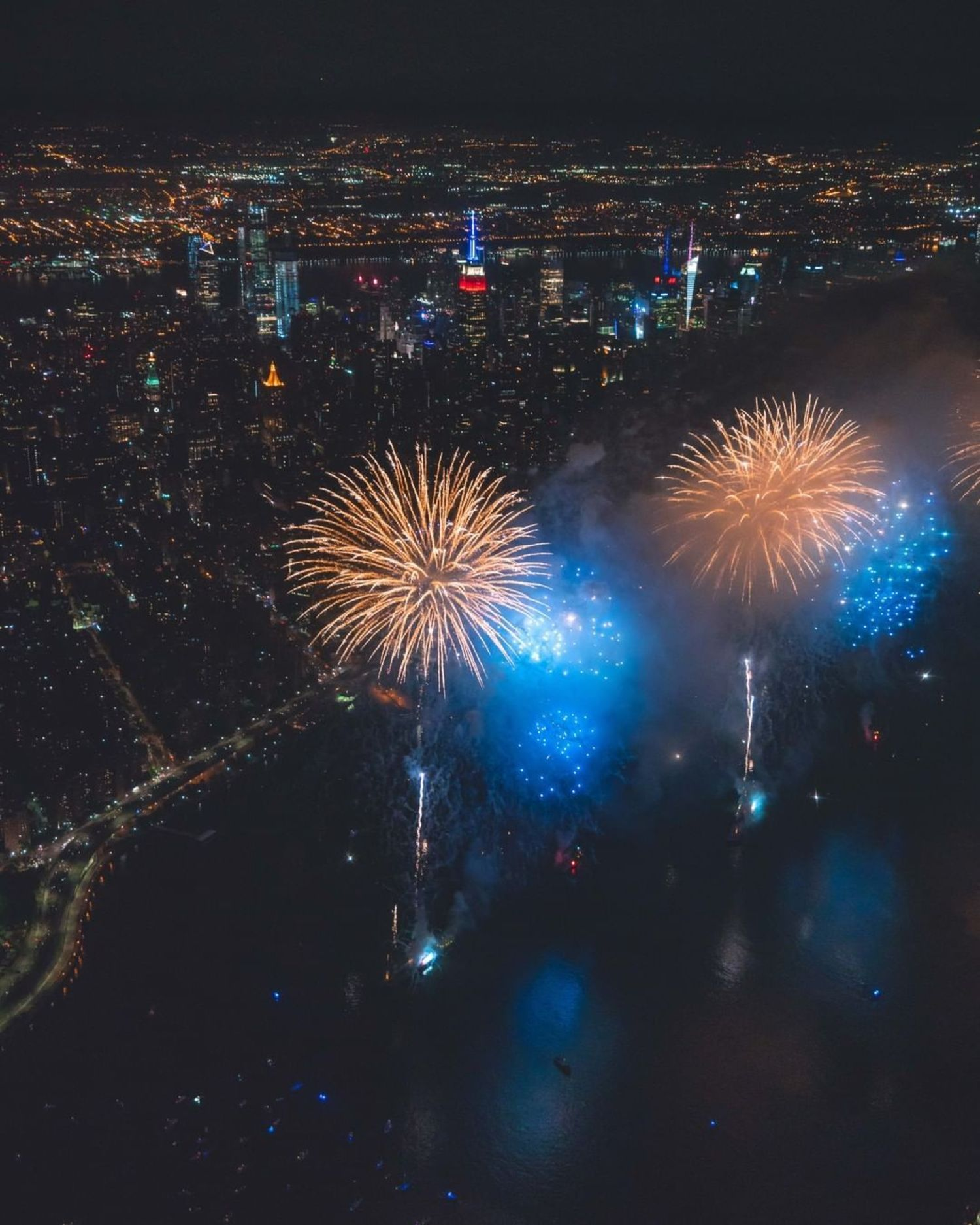 So, about last night... Epic right? 💙GET 50% OFF ALL FLIGHTS! 💙 ⭐️ | Code: FIREWORKS | ⭐️ 🚁 Purchase with the ultimate flexibility. Our Buy Now Schedule Later is valid for more than a year.🚁 Book now: www.FlyNYON.com