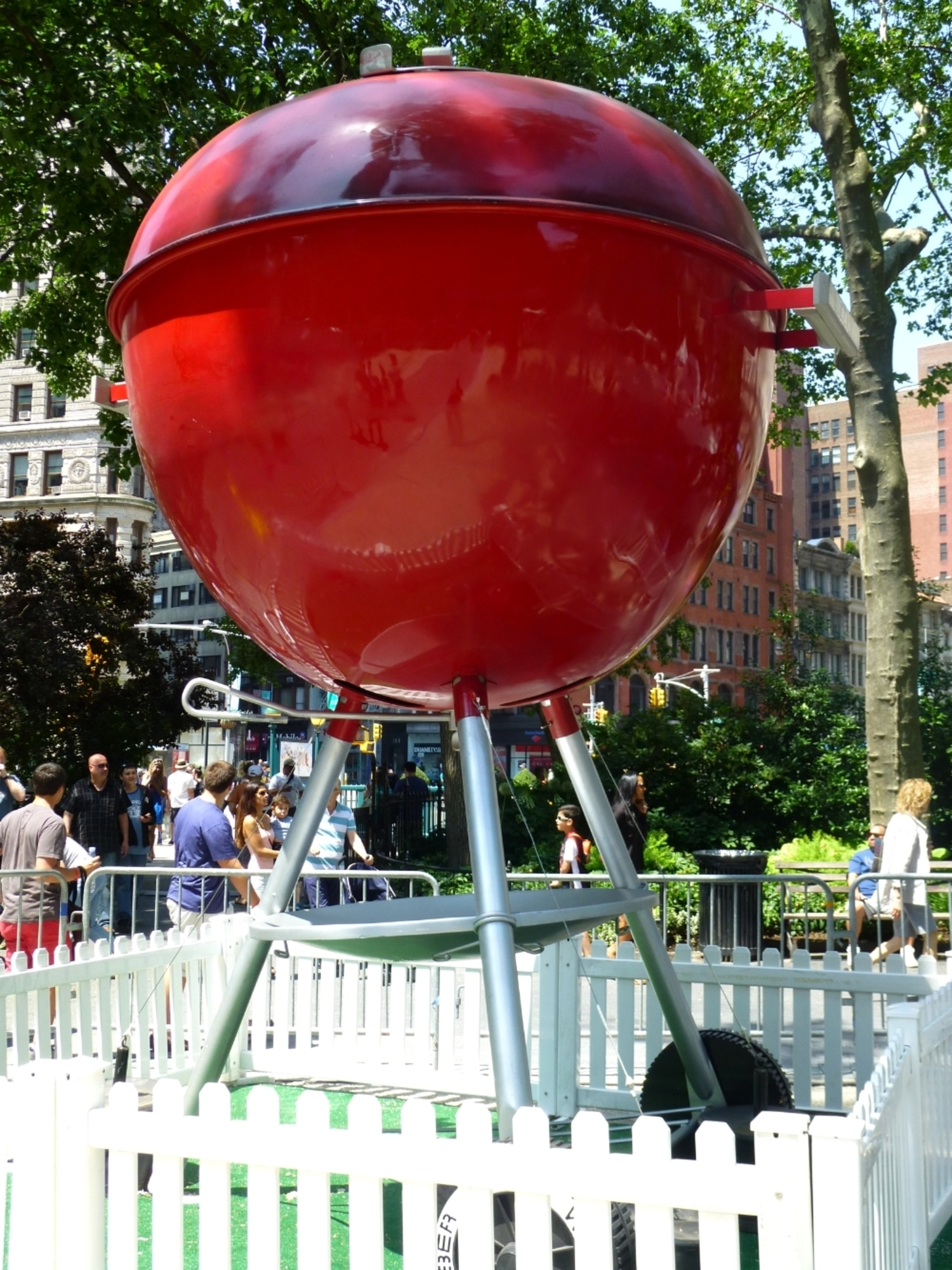 Giant Weber Grill, Madison Square Park NYC | Big Apple Barbecue Block Party, 9 June 2013