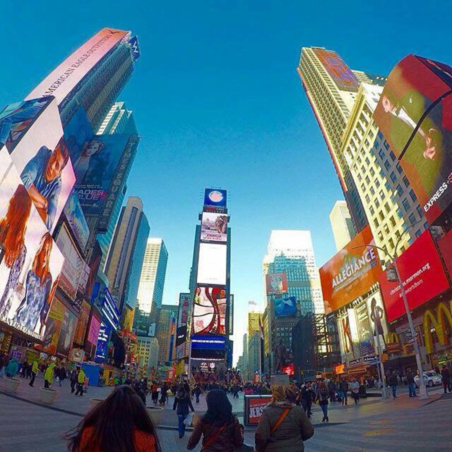 """Remember that happiness is a way of travel – not a destination."" ~ Photo By @oar31 