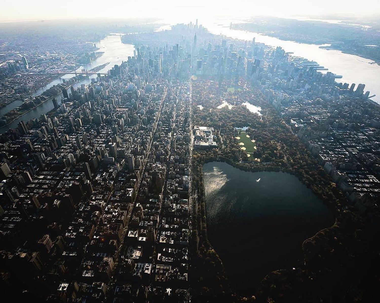 New York, New York. Photo via @beholdingeye #viewingnyc