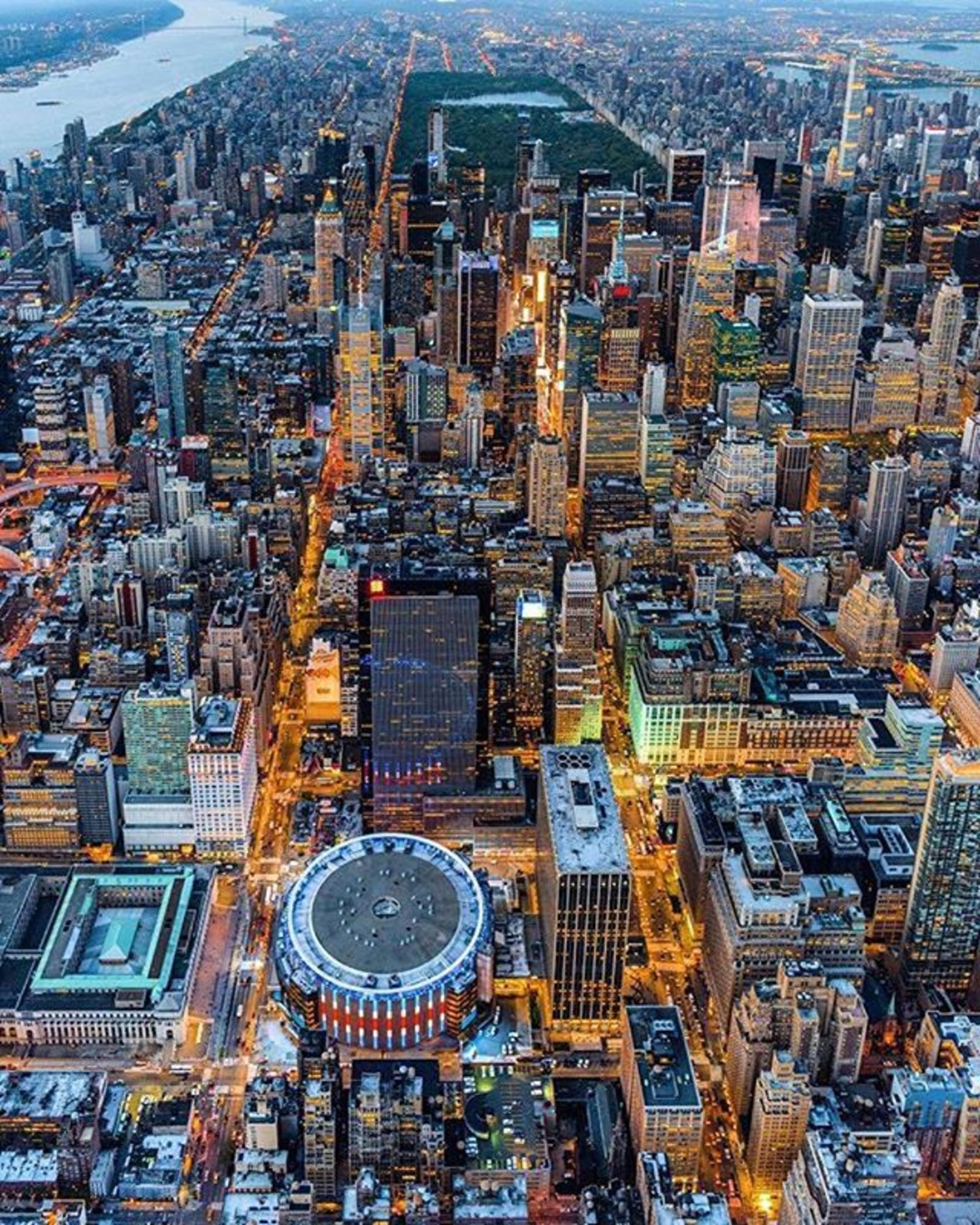 New York, New York. Photo via @killianmoore #viewingnyc