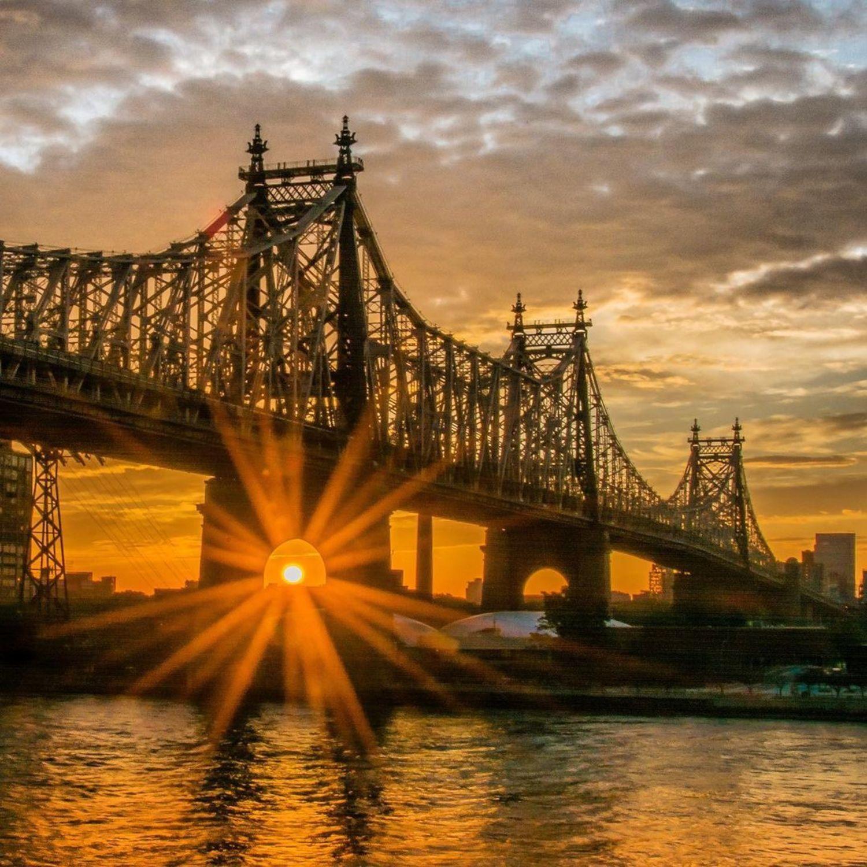 Sunrise over Roosevelt Island and the Queensboro Bridge