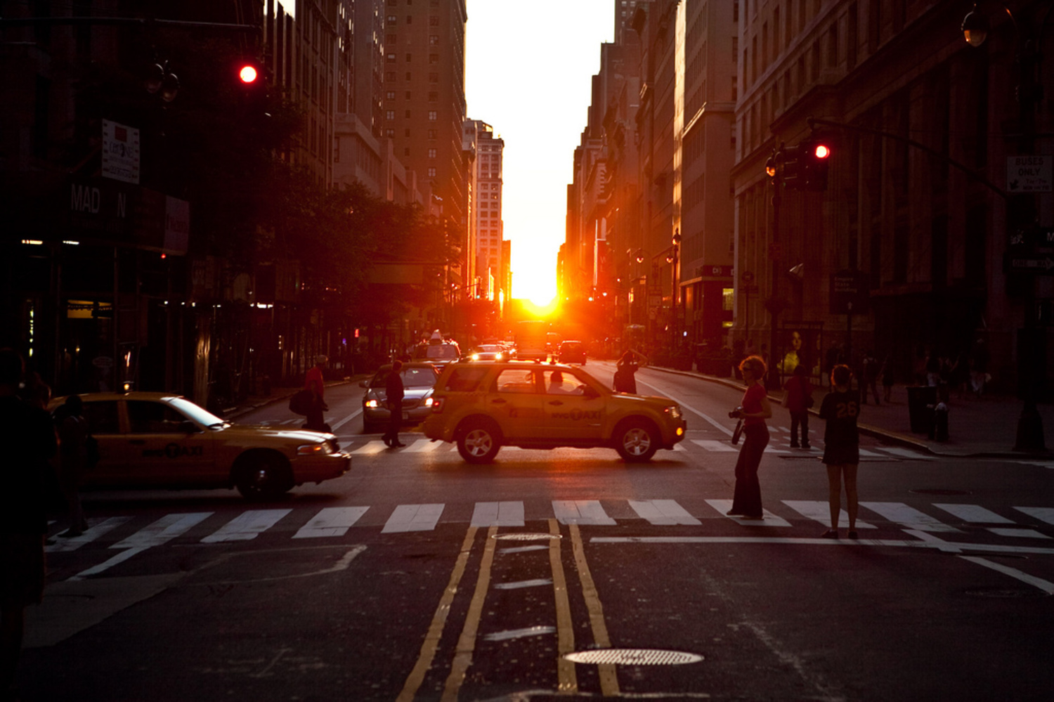 "Manhattanhenge | <a href=""http://www.haydenplanetarium.org/resources/starstruck/manhattanhenge/"" rel=""nofollow"">Truly an 'only in New York' phenomenon. </a>"