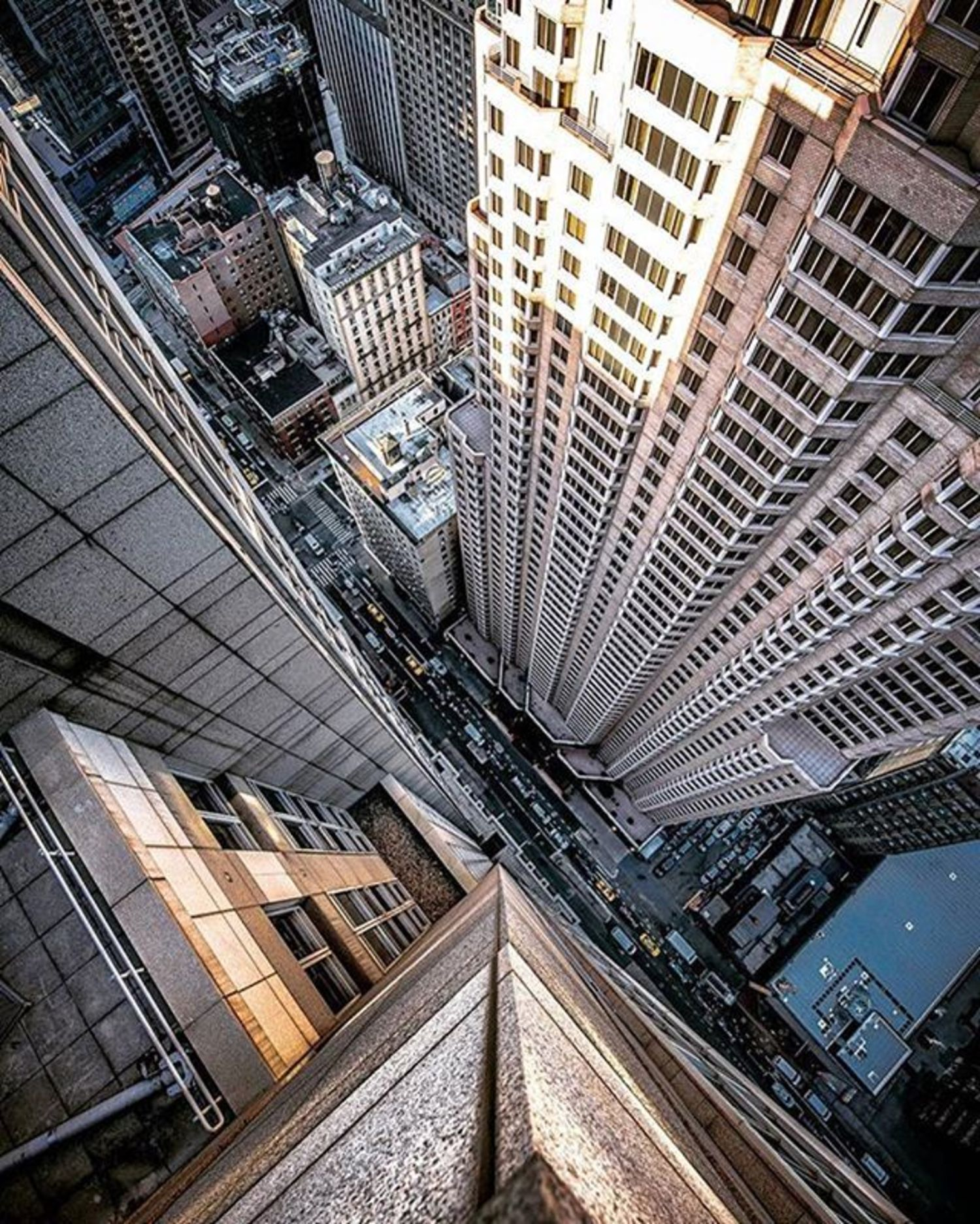 Photo via @lightsensitivity  #viewingnyc