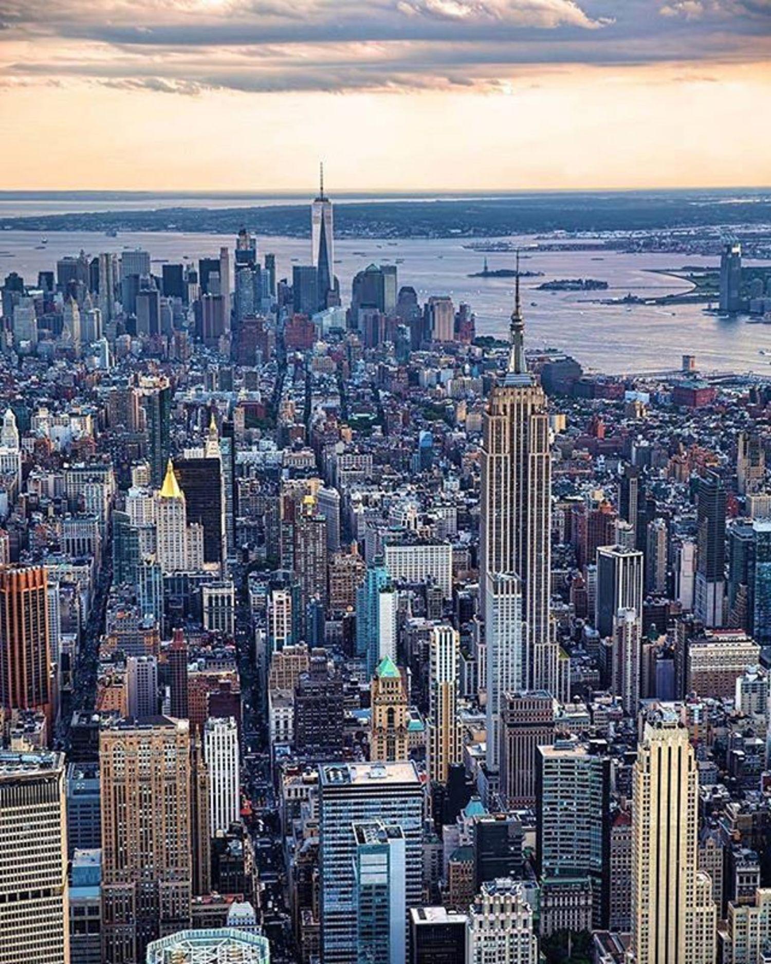 New York, New York. Photo via @mattpugs #viewingnyc #newyorkcity #newyork #nyc