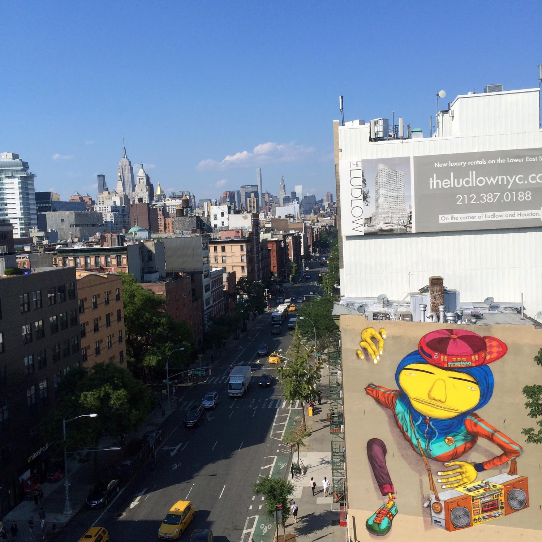 Os Gemeos unveils a giant old school NYC B-Boyz in New York City