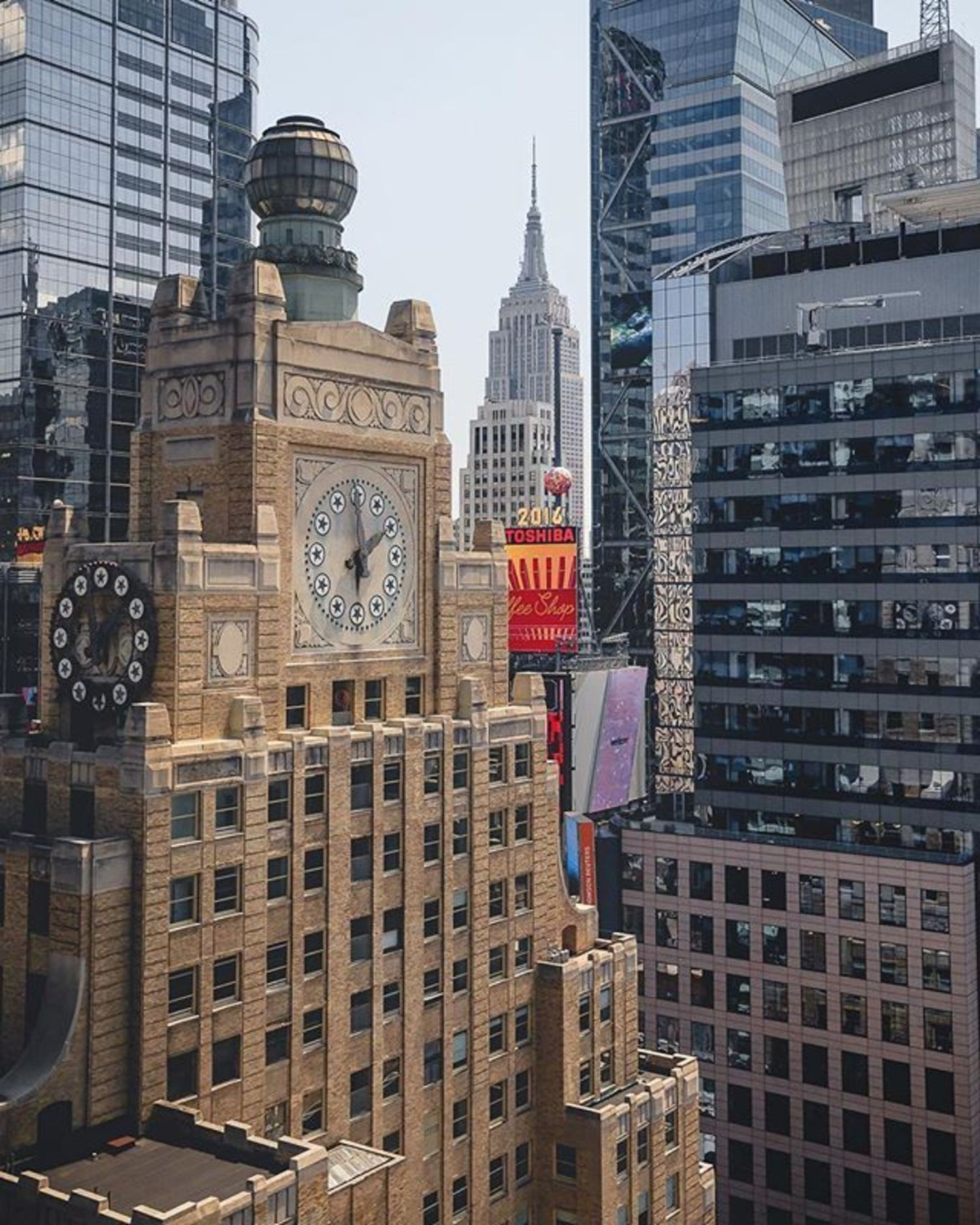 New York, New York. Photo via @ceos_downbeat #viewingnyc #newyork #newyorkcity #nyc