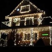 Christmas lights syncronized to music in Bensonhurst Brooklyn.