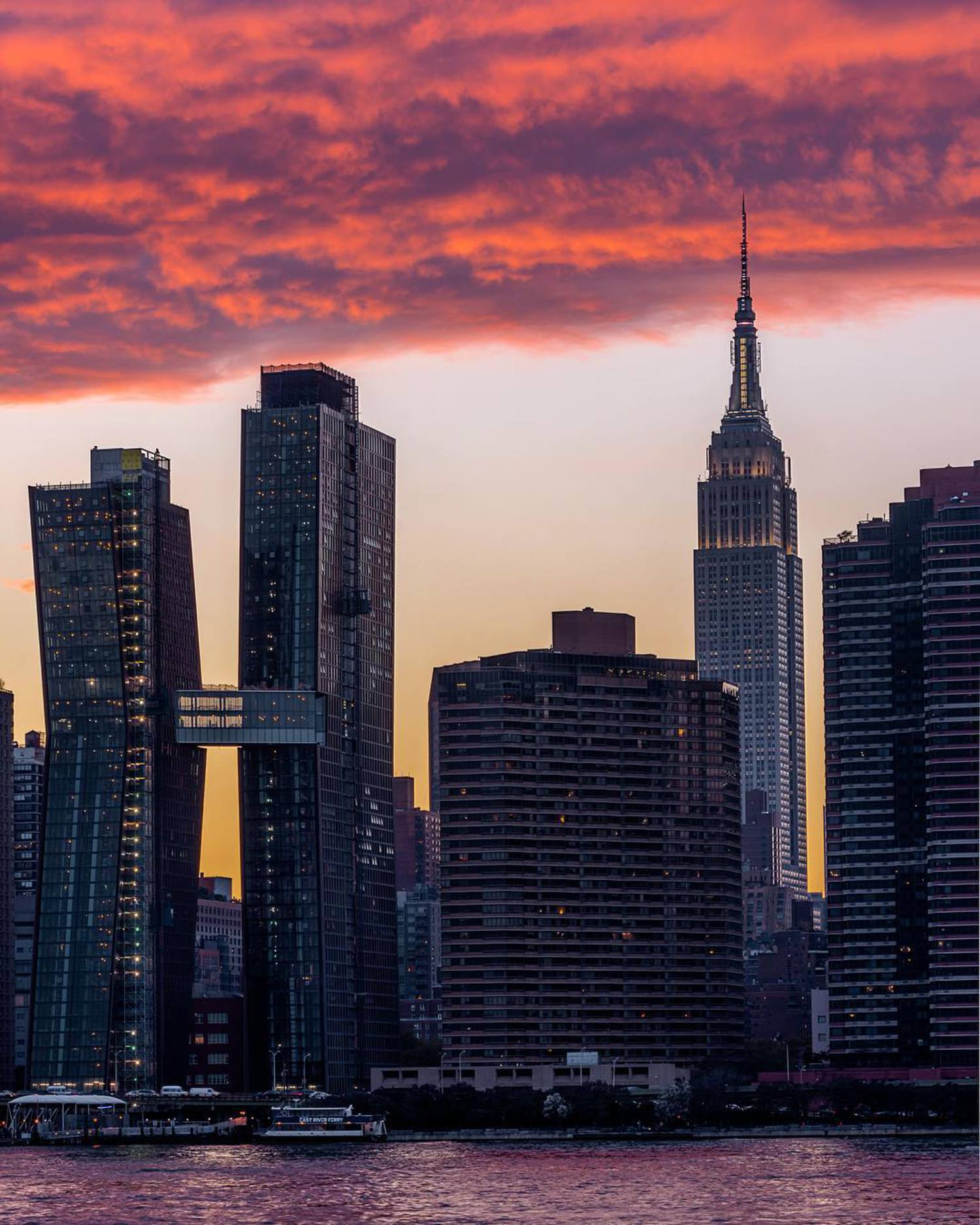 Let me get this straight: Brooklyn says YO and Manhattan says...HI? To Queens? OY vey.... ✨🤔✨😂✨ Sunset from Gantry Park in Queens last night with...nobody but me! But still check out some of the friends I tagged in the photo for some great photography! Happy Friday y'all! ✨👊🏼👨🏻✨ Camera: Nikon D7200 Lens: Nikkor 18-105 @ 70mm ISO: 100 Aperture: F11 Exposure: 1/20s NEF (RAW) format Post-processing/Edit: Lightroom ✨🌇✨🌆✨🌃✨🌉✨ #empirestatebuilding #queens #shotzdelight #wanderlust #shotzdelight #igpodium #killeverygram #visualambassadors #citykillerz #artofvisuals #theimaged #killeverygram #igworldclub #urbanandstreet #instagramnyc #urbanromantix #ig_worldclub #world_shotz #way2ill #worldbestgram #worldcaptures #ig_mood #moodygrams #agameoftones #fatalframes #heatercentral #instagood #ny #nyc