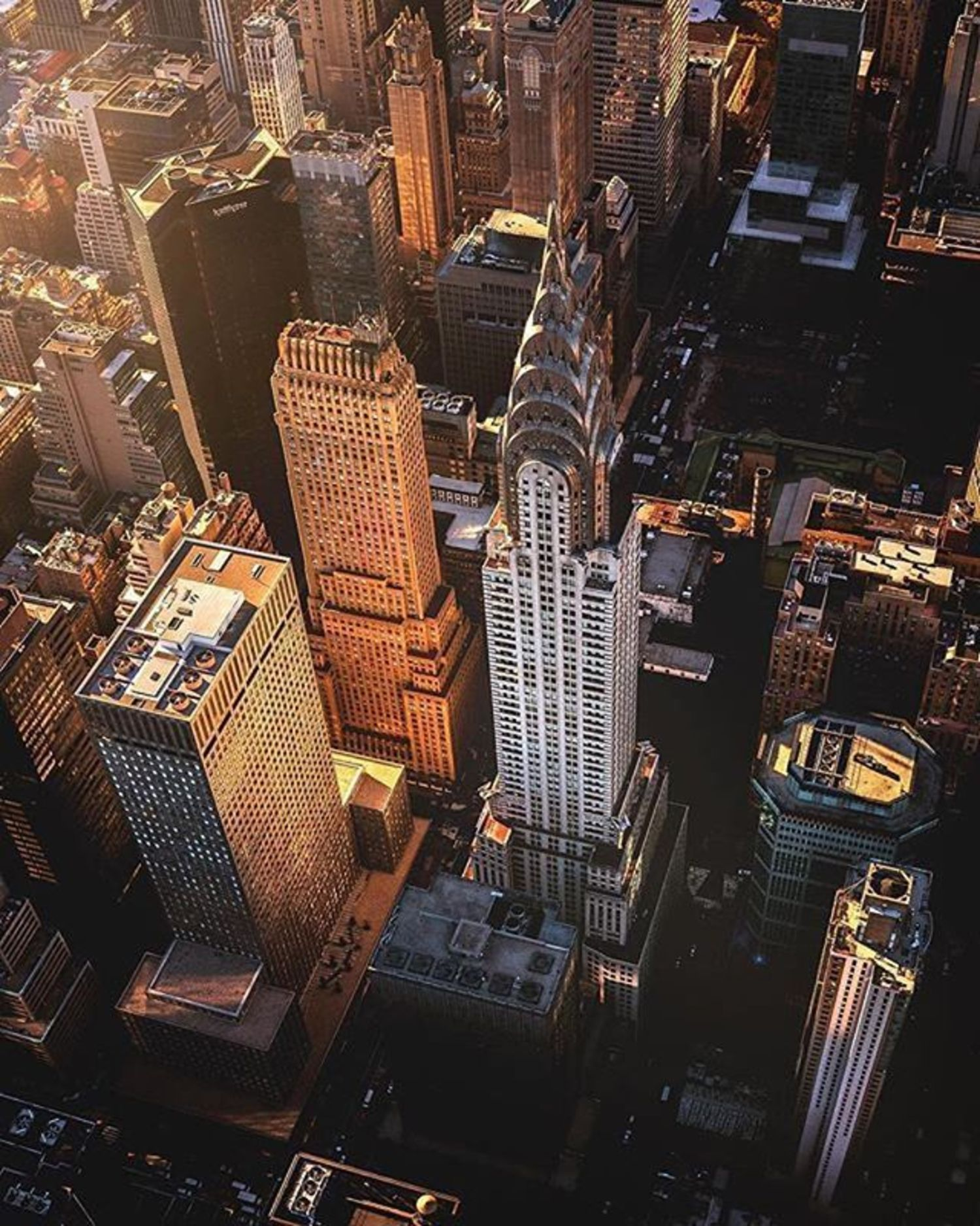 Chrysler Building, New York, New York. Photo via @flynyon #viewingnyc #newyork #newyorkcity #nyc