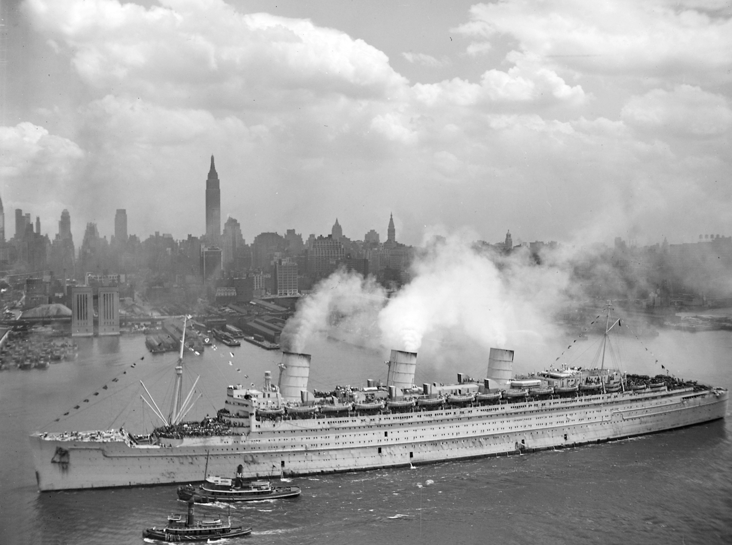 RMS Queen Mary 20 Jun 1945