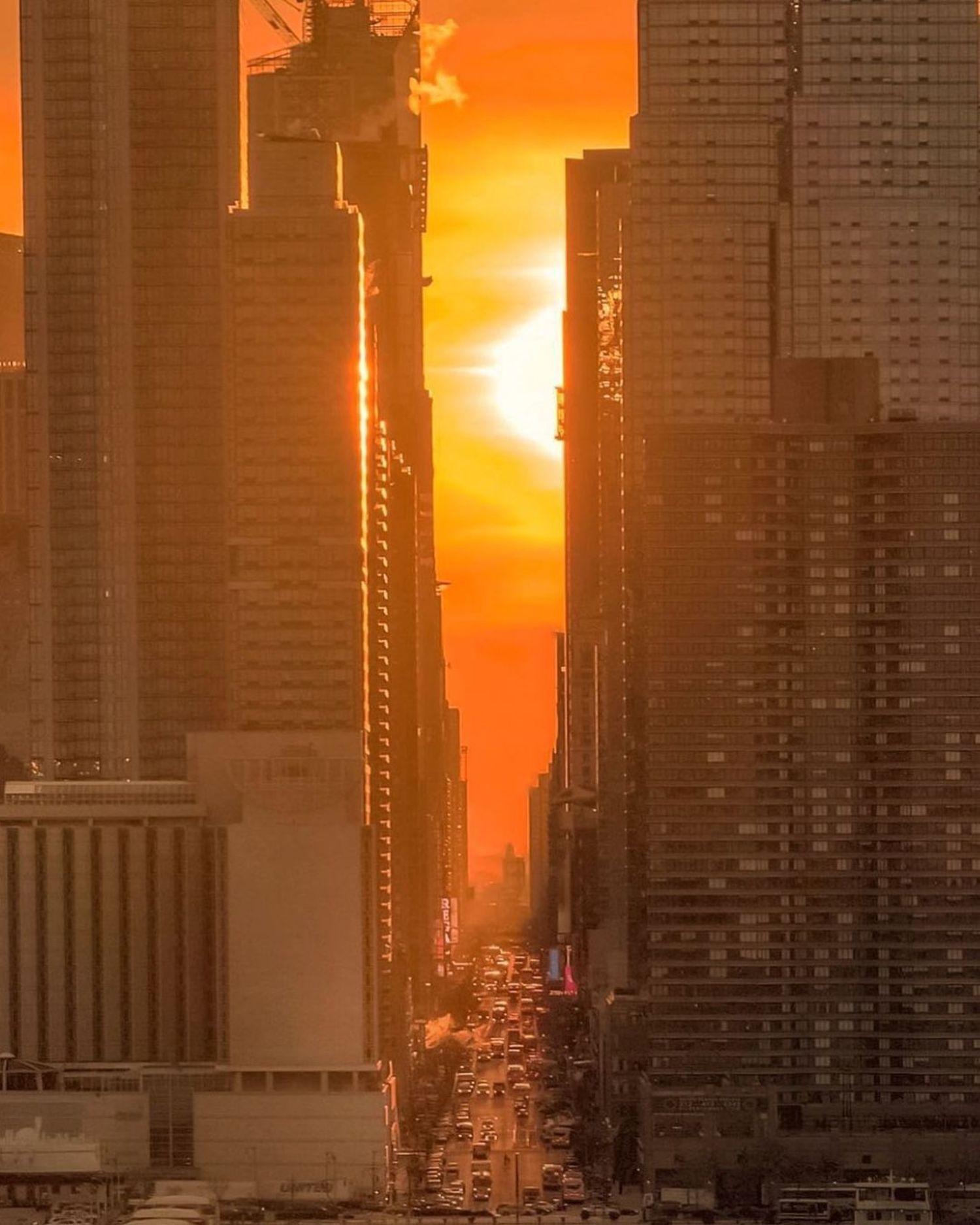 Sunrise over 42nd Street, Midtown, Manhattan