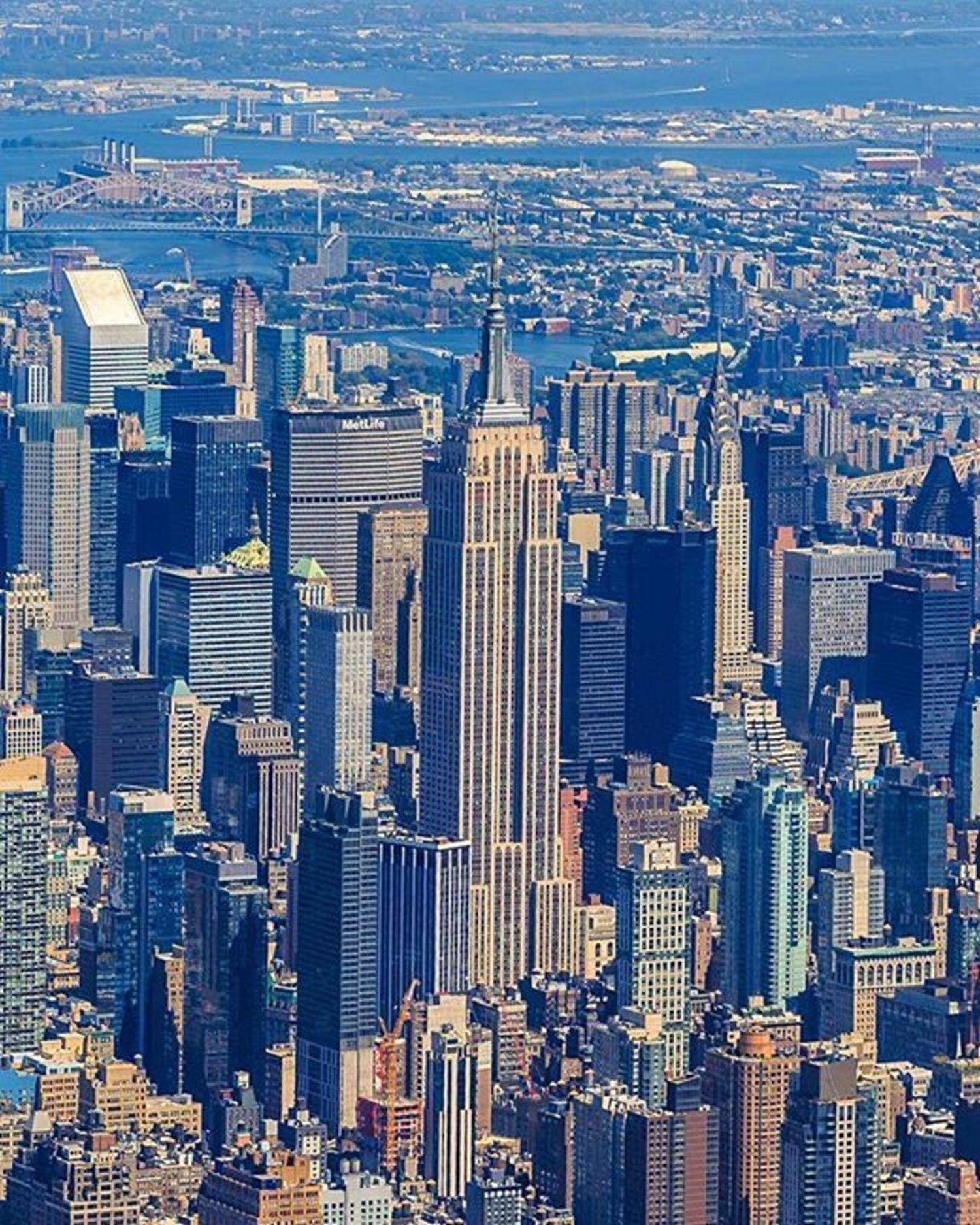 New York, New York. Photo via @killahwave #viewingnyc #newyorkcity #newyork #nyc