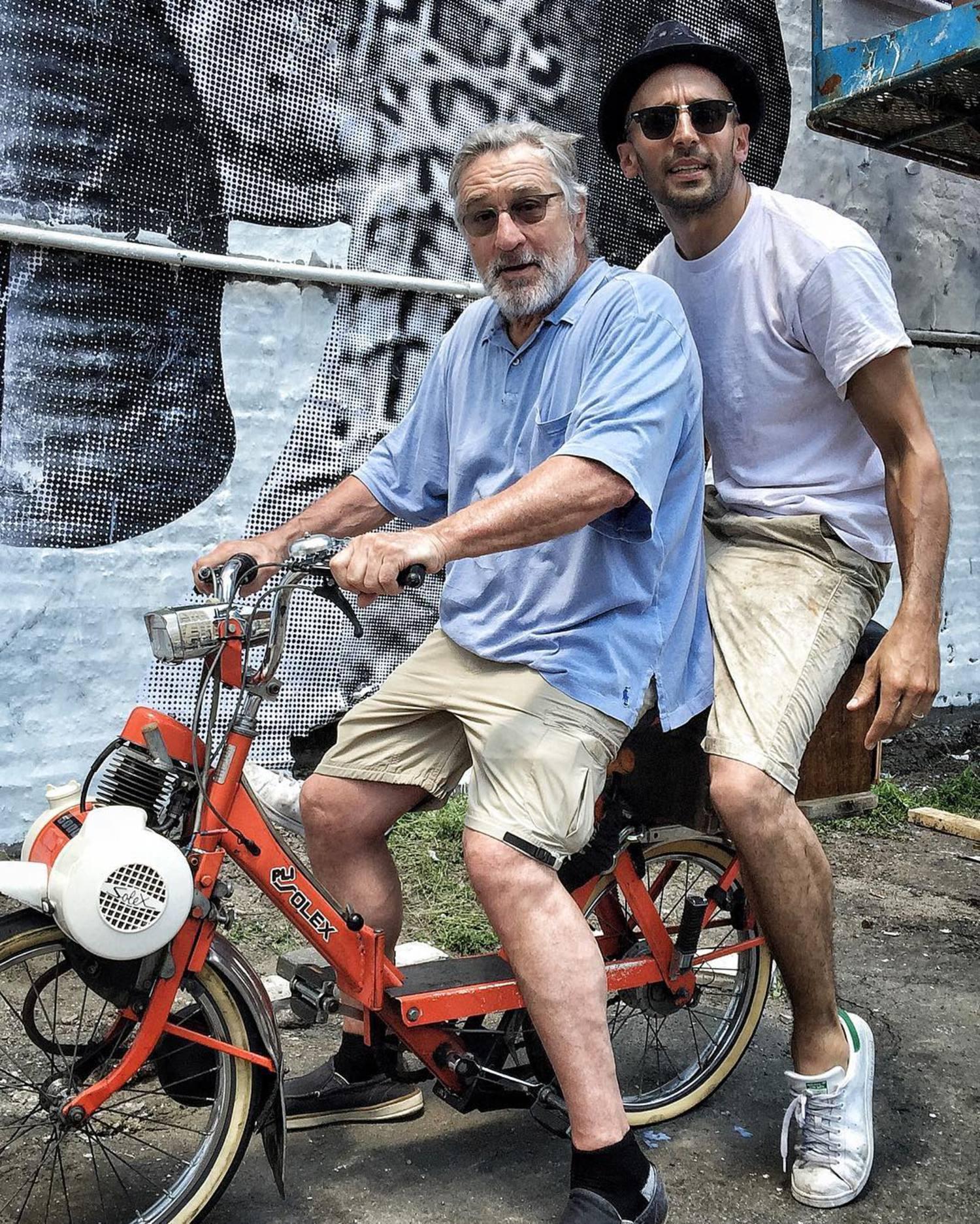 New York City 👊🏻 Pasting Day 1  #Migrants #EllisIsland #RobertDeNiro - Ellis the film is on free access on both @itunes and on @netflix 📽 📸 @lucca