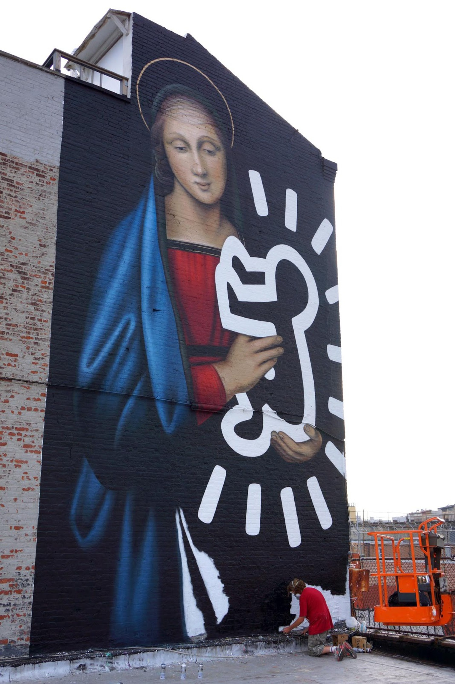 Owen Dippie creates a new mural in Bushwick, New York City