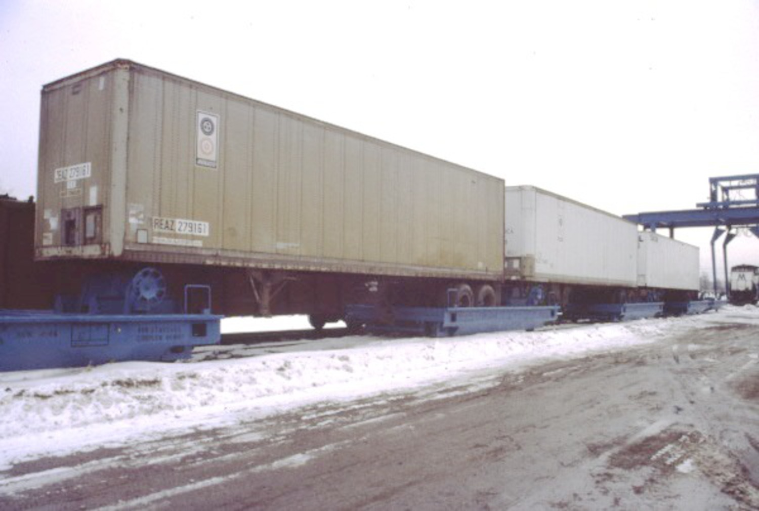 What the bogies look like when loaded with trailers. Photo by Albert Castelli c/o Steve Lynch's excellent LIRR history site.