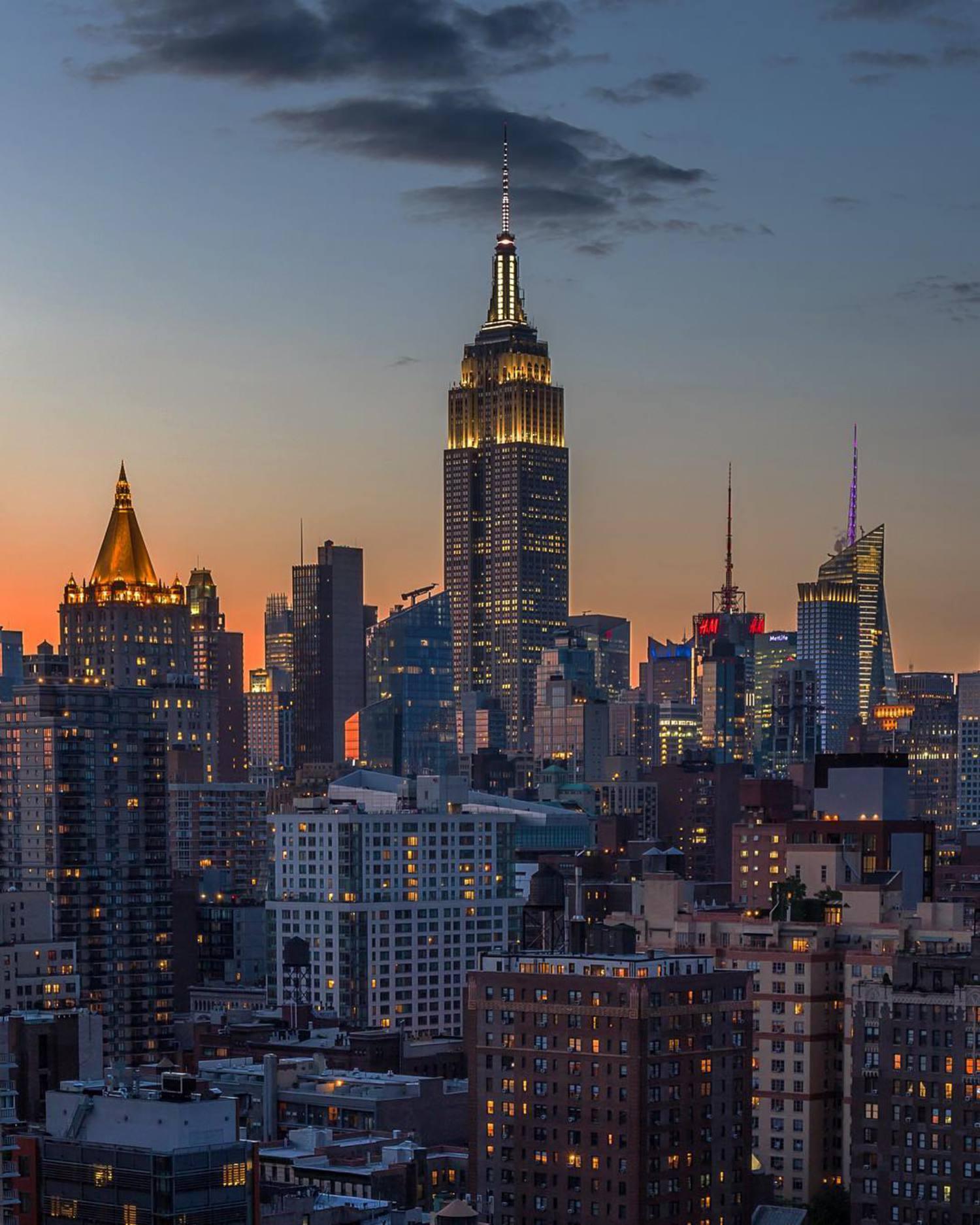 •Pins & Needles• ******************************************** #made_in_ny #ig_nycity #my_flagrants #nbc4ny #abc7ny #NYDNgram #newyorkforall #ig_global_life #picture_to_keep #seeyourcity #shootersofnyc #super_americas #thebest_capture #usaprimeshot #ugnycgrammers #topnewyorkphoto #waysofnyc #newyork_instagram #welovethiscity #inspiring_photography_admired #what_i_saw_in_nyc #wildnewyork #instagramnyc #agameoftones #icapture_nyc #royalsnappingartists #TNYR #NYCityworld #ILove_newyo #NYLoveYou