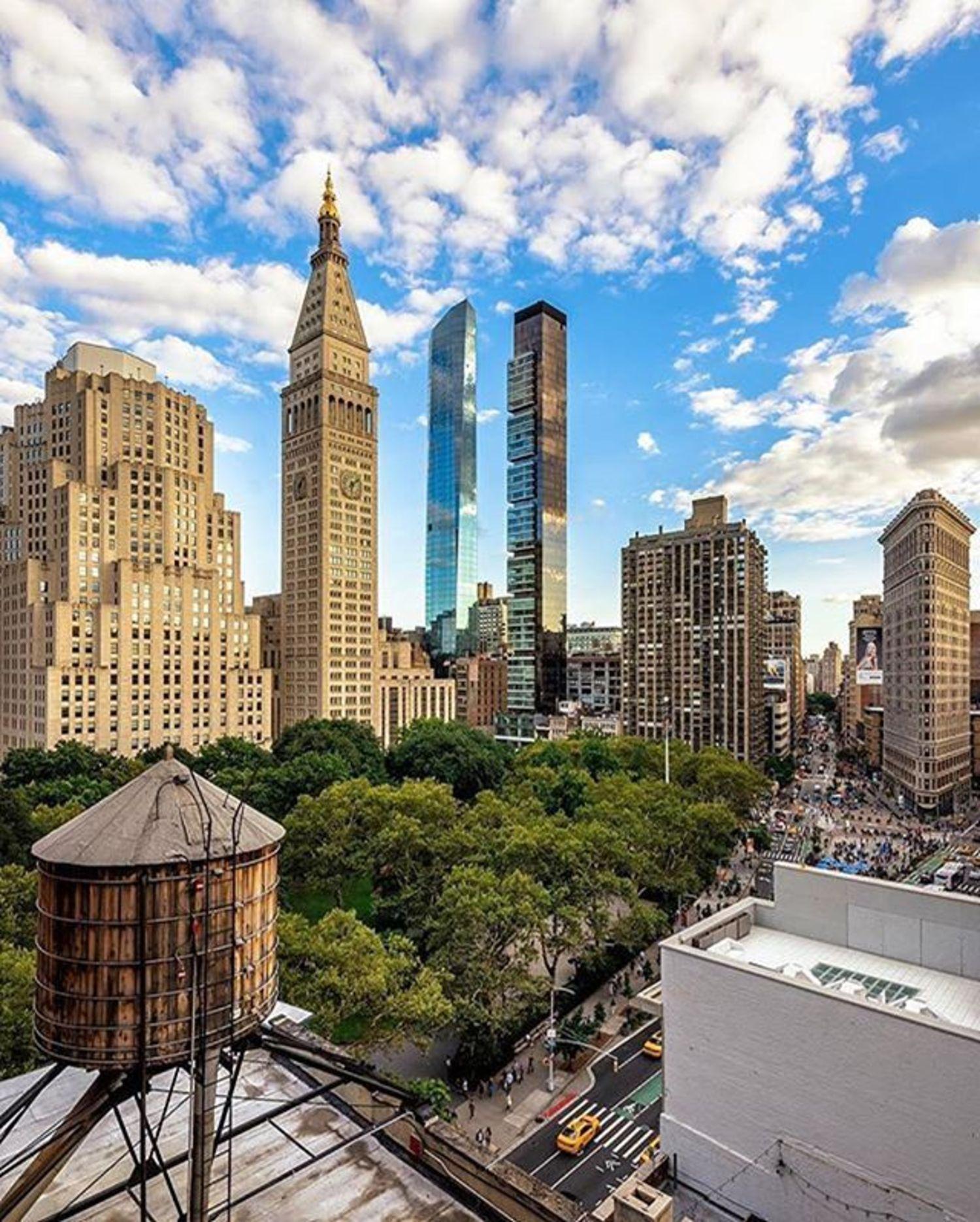 Madison Square Park, New York. Photo via @papakila #viewingnyc #newyorkcity #newyork