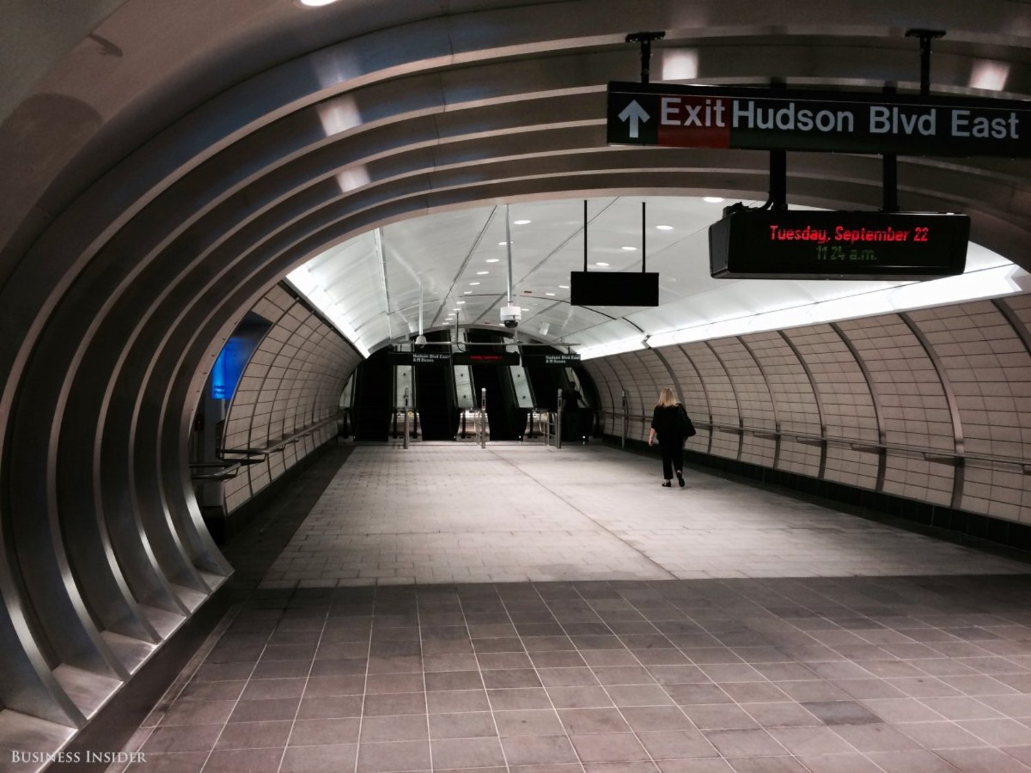 The architecture is decidedly modern, and there are no straight walls, just cavernous tubes. Unlike most subway stations, the temperature is comfortable. Reasonable temperatures in a subway station are far from an everyday occurrence.
