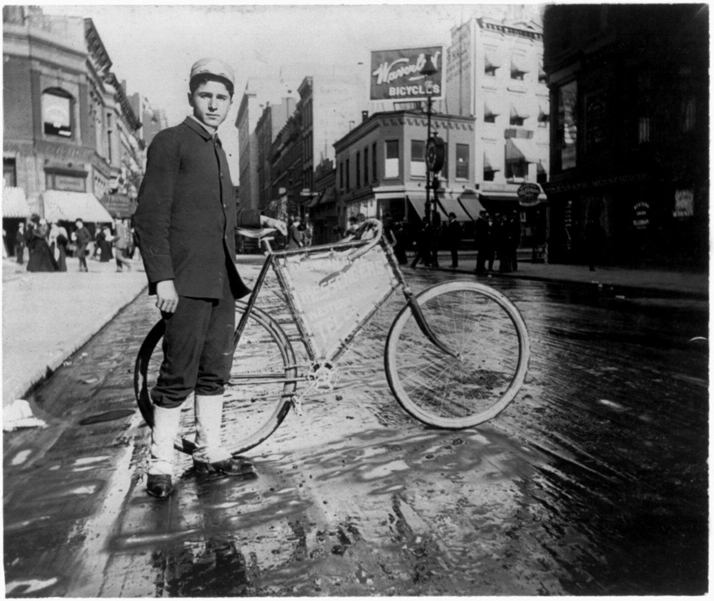 Cycle messenger.