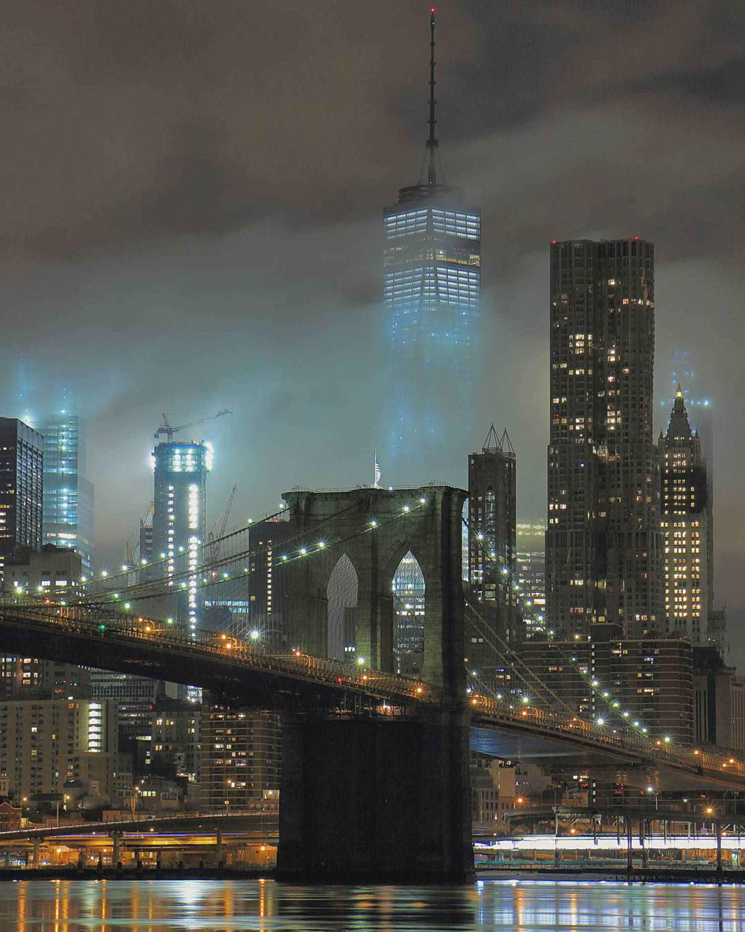 Disappearing before my very eyes ============================= #nycprimeshot #usa_primeshot #ic_thecity #ig_shotz #icapture_nyc #ig_great_shots  #ig_great_shots_nyc #ig_shotz_bridges #ic_longexpo #ig_unitedstates #nycbuildings #nycdotgram #instagramhub #newyorkcity #nydngram #udog_peopleandplaces #topnewyorkphoto #instagramnyc #ig_nyc #usa_greatshots #brooklynbridge #ig_podium #newyork_instagram #instagood #loves_nyc #what_i_saw_in_nyc #welovethiscity #nightshooters #nightlongexposure #igs_america