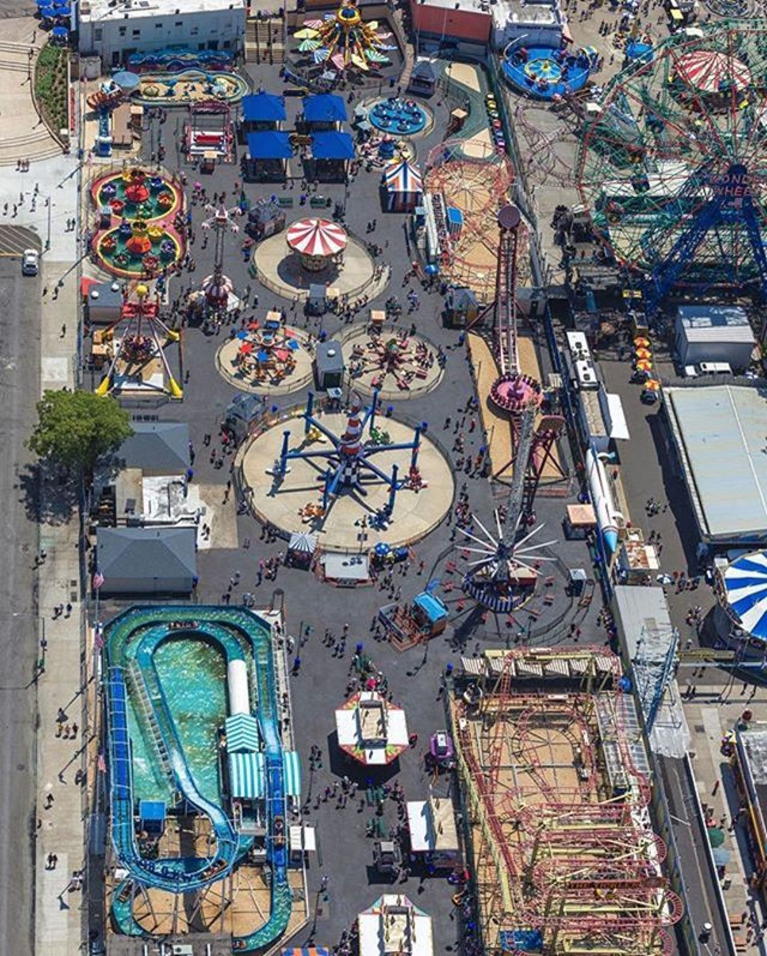 Coney Island, New York. Photo via @flynyon #viewingnyc