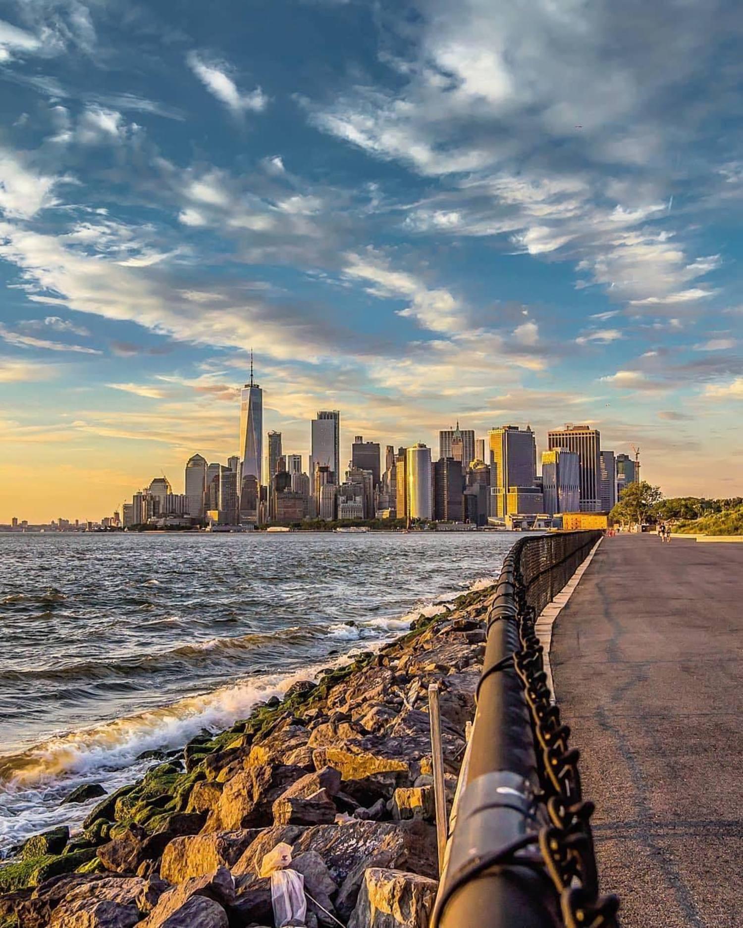 New York, New York. Photo via @everydayimshuttering #viewingnyc #newyork #newyorkcity #nyc