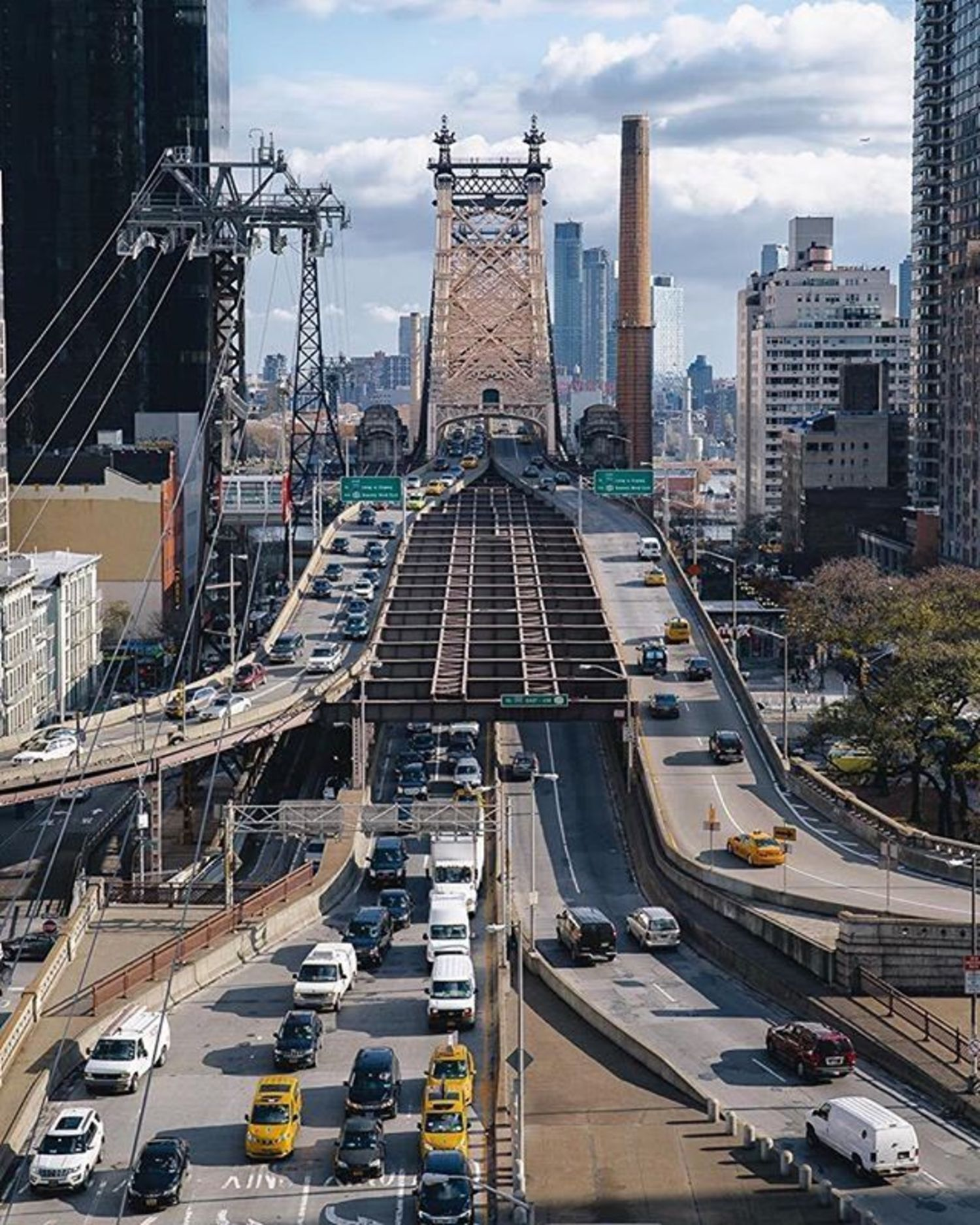Queensboro Bridge, New York, New York. Photo via @ceos_downbeat #viewingnyc #newyork #newyorkcity #bridge #queensborobridge