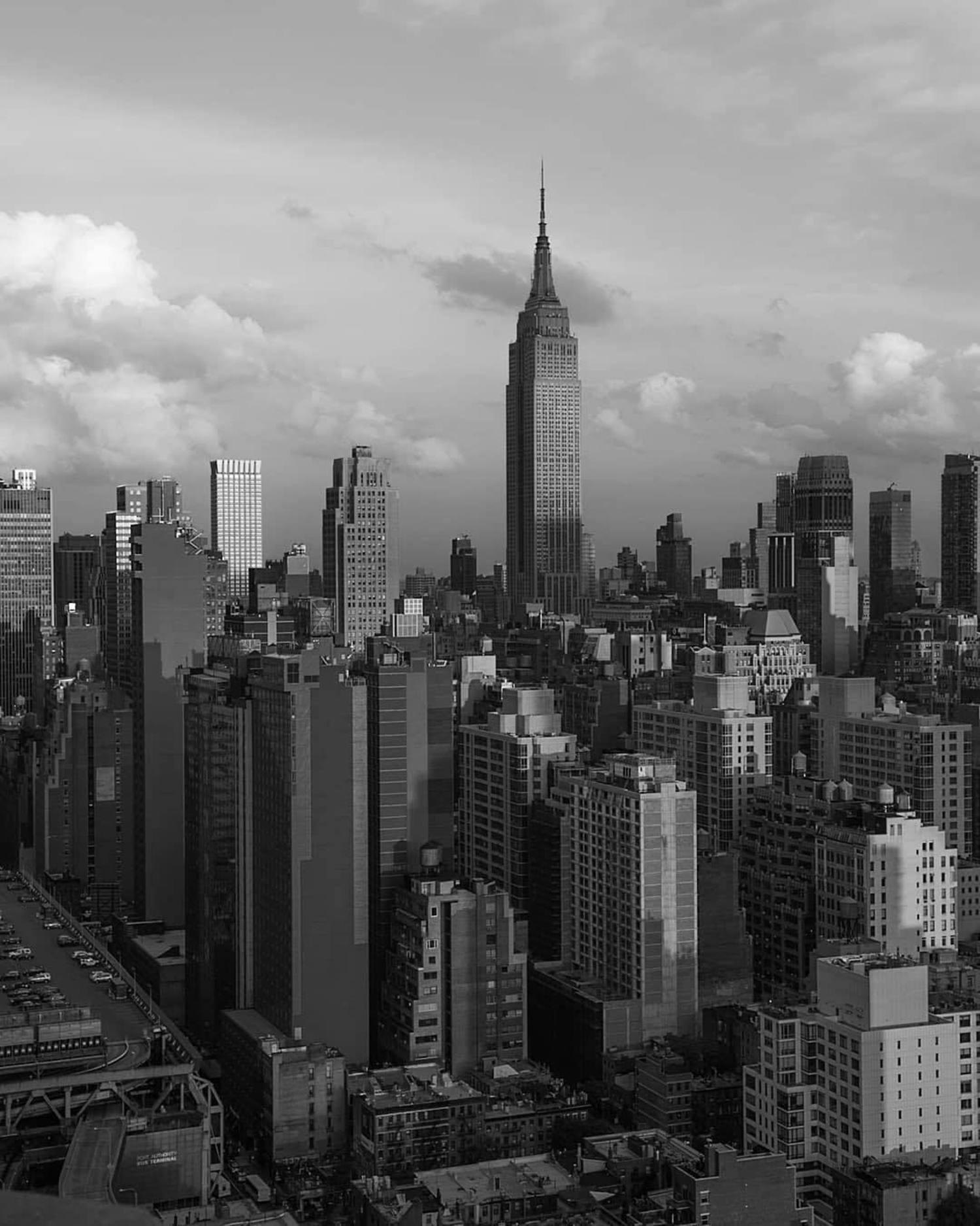 New York, New York. Photo via @m_bautista330 #viewingnyc #nyc #newyork #newyorkcity #empirestatebuilding