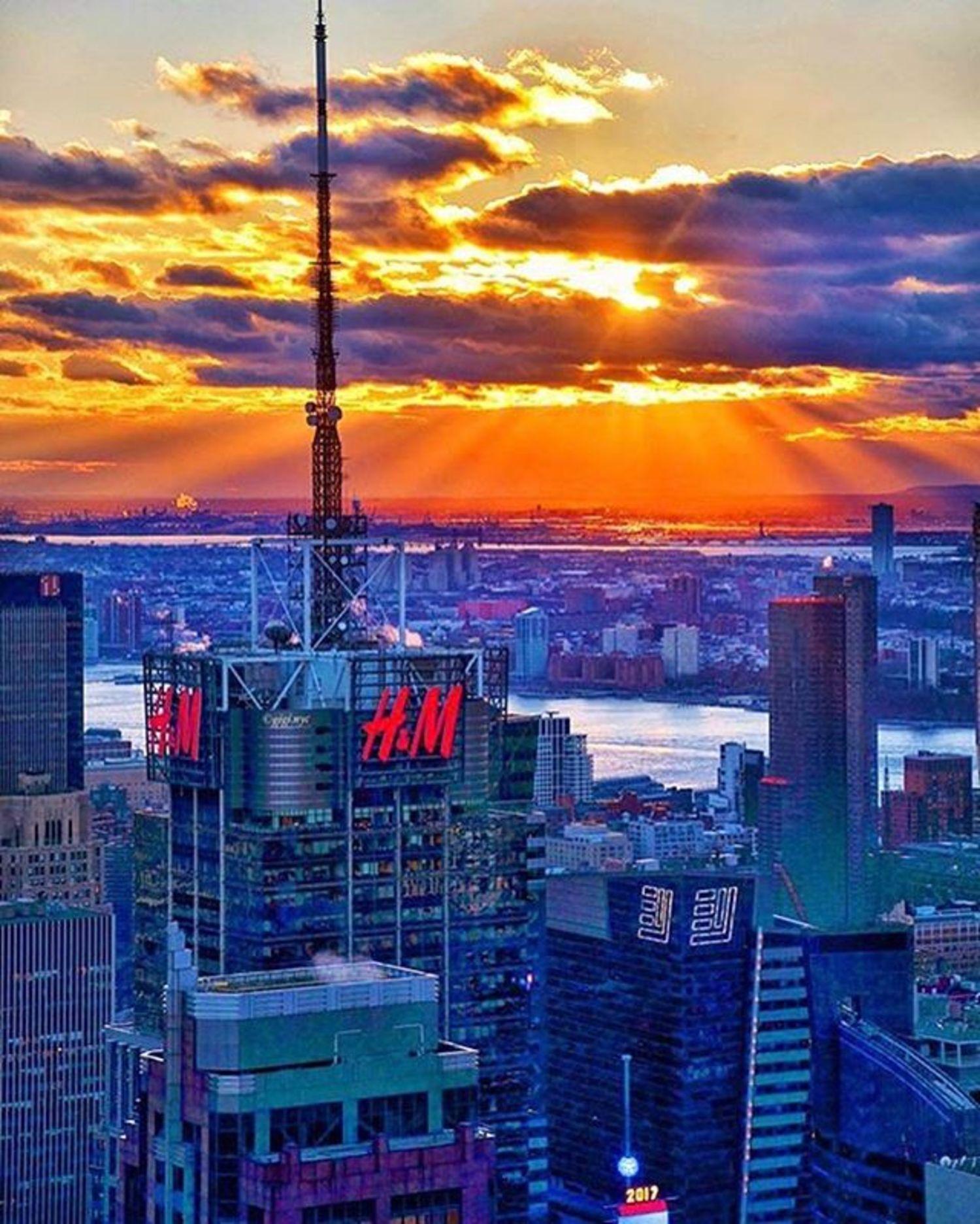 Photo via @gigi.nyc  #viewingnyc