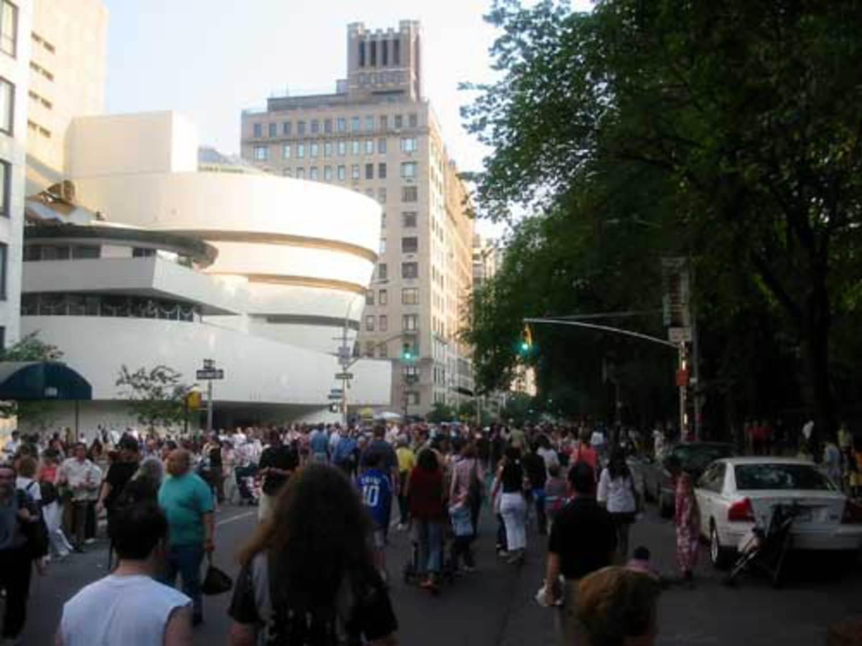 Guggenheim Crowds