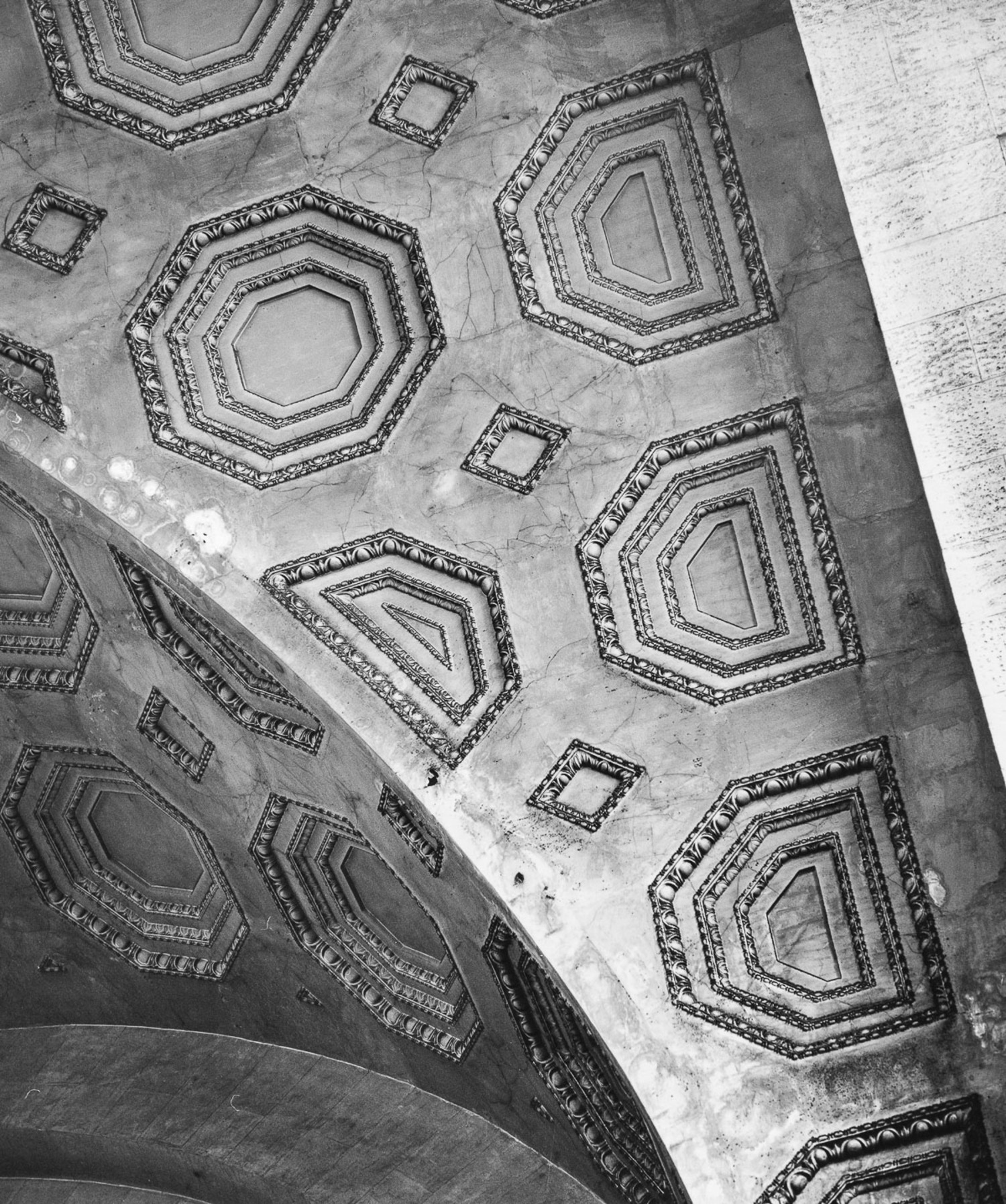 Sept. 6, 1962. The ceiling of the main waiting room, one year before the station's demolition.