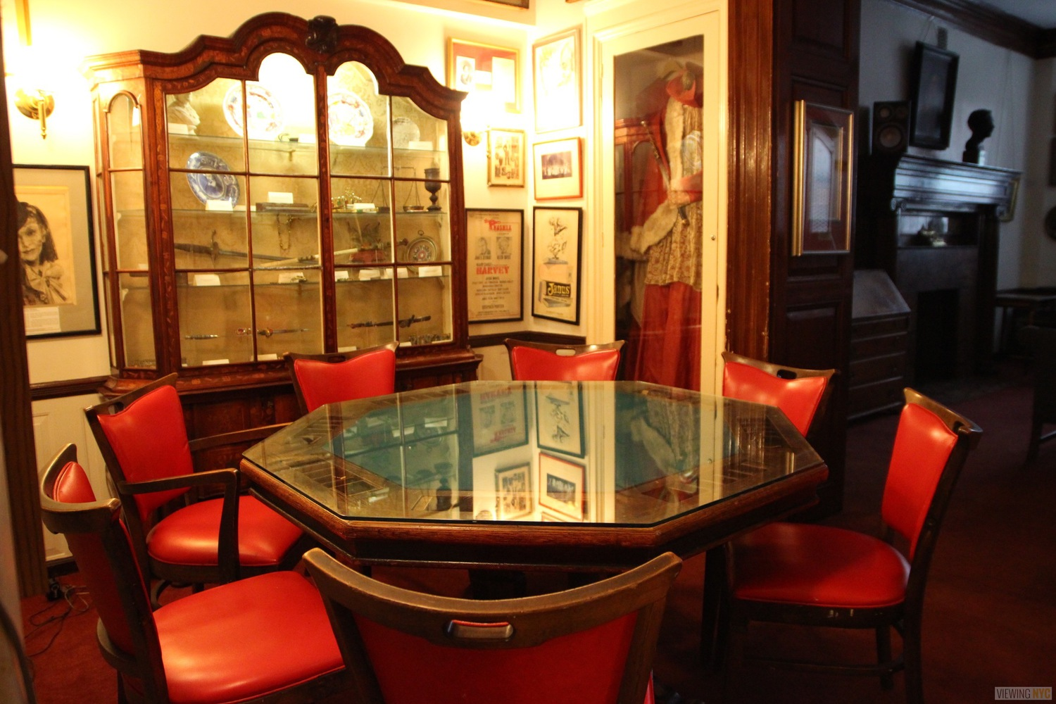 Mark Twain's Poker Table