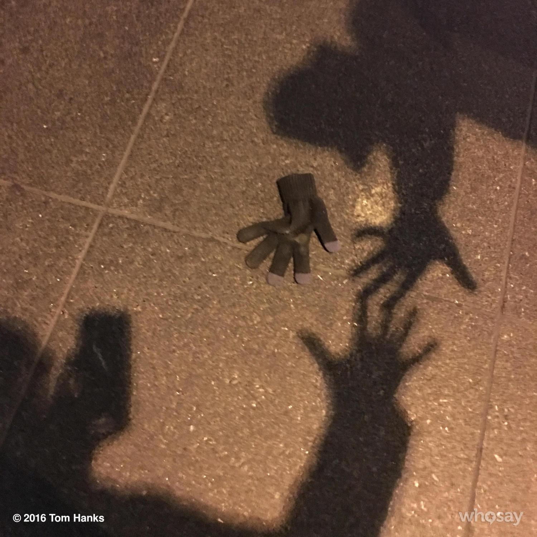 2 shadows but just a single lost glove. Bittersweet. Hanx https://t.co/oDfWQovATV
