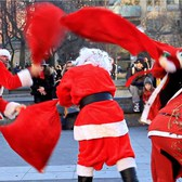 Santa BRAWL- Epic Santa Fight In NYC!