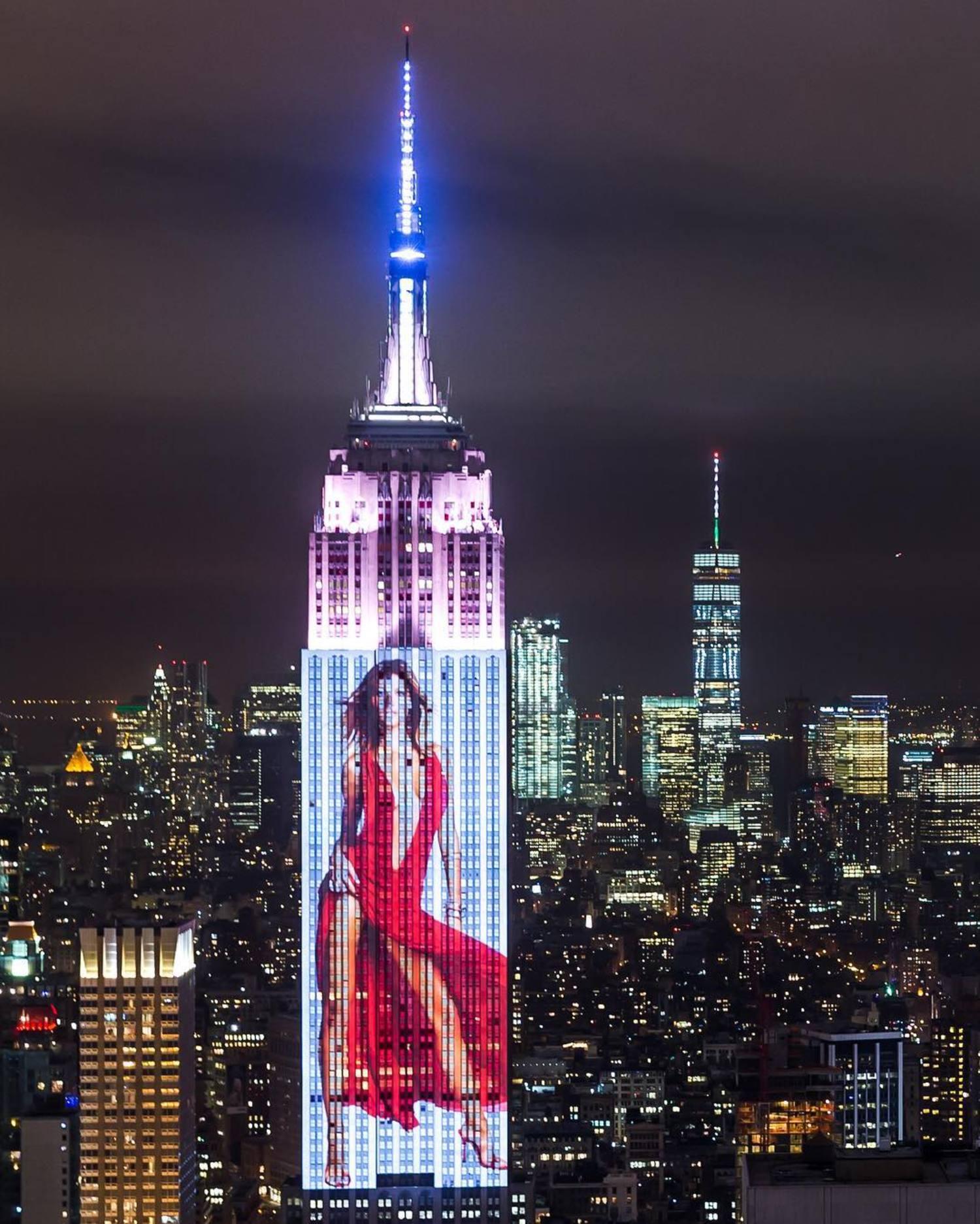 @patrickdemarchelier 's cover of @gisele taking over the entire @empirestatebldg for @harpersbazaarus's 150th anniversary. #bazaar150 #bazaar150xtiffany @tiffanyandco  #NY #NewYork #NYC #NewYorkCity #Manhattan #ThisIsNewYorkCity #WildNewYork #WhyILoveNewYork #USAPrimeShot #_NYC #nycprimeshot #ig_nycity #made_in_NY #nbc4ny #storm #cnnireport #topnewyorkphoto #what_I_saw_in_NYC  #instagoodmyphoto #seeyourcity #newyork_instagram #newyorklike #thenewyorklifeinc #ilove_newyo @newyork_instagram #rsa_streetview_ #timeoutnewyork