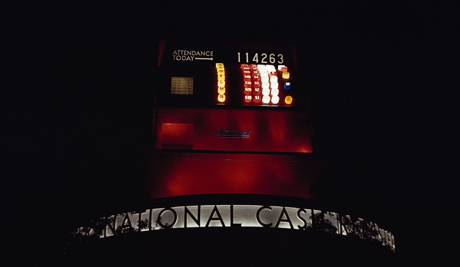 The National Cash Register building shows the number of people in attendance at the 1939 New York World's Fair.