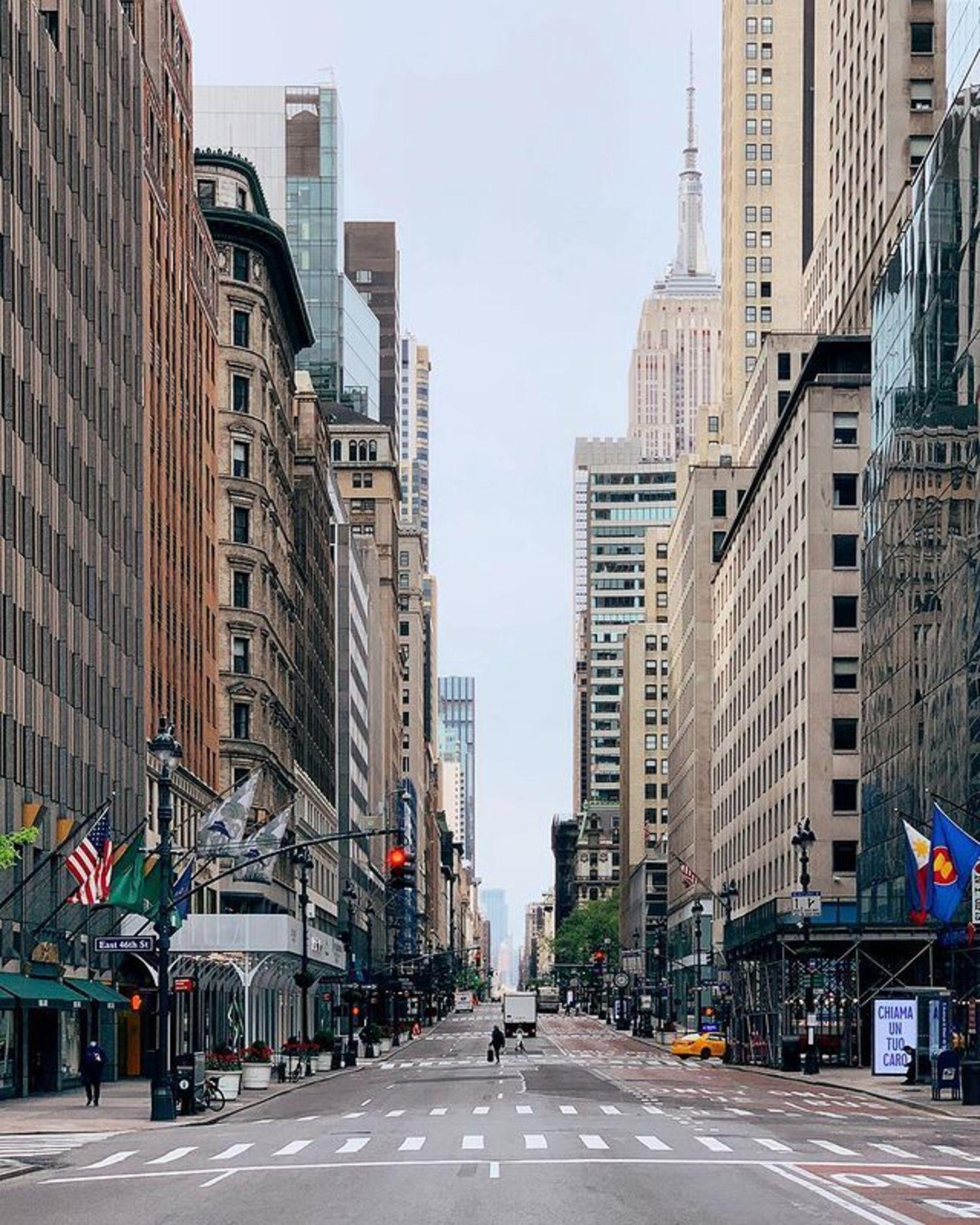 5th Avenue and 46th Street, Midtown, Manhattan