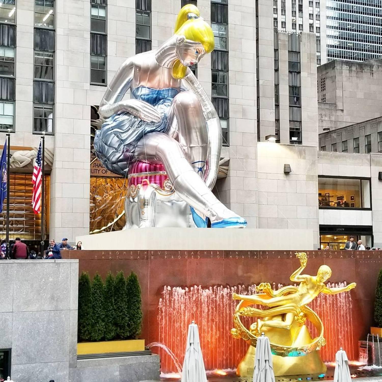 #SeatedBallerina #Statue #JeffKoons #RockefellerCenter #NewYork #Weekend . . #Rockefeller #Ballerina #Art #Beautiful #Kids #Dogs #DogsOfInstagram #NYC #Fun #Friday #Saturday #Sunday #Rain #Coffee #뉴욕 #조형물 #커피 #럭셔리 #여행 #관광 #주말 #발레리나 #멍멍이 #강아지
