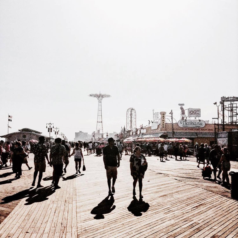 Boardwalk * * * * #NYC #NewYork #NBC4NY #Manhattan#NewYorkCity #newyorkphoto#nycprimeshot #icapture_nyc #ILoveNY #what_i_saw_in_nyc #worldprime#ig_nycity #ig_americas #mynikonlife #TimeOutNewYork #myCity_Life #loves_nyc#fox5ny #rsa_streetview #topnewyorkphoto#Made_in_NY #SeeYourCity#city_of_newyork #newyorklike #brooklyn #4thofjuly #abc7ny #agameoftones #instagramnyc #newyork_ig