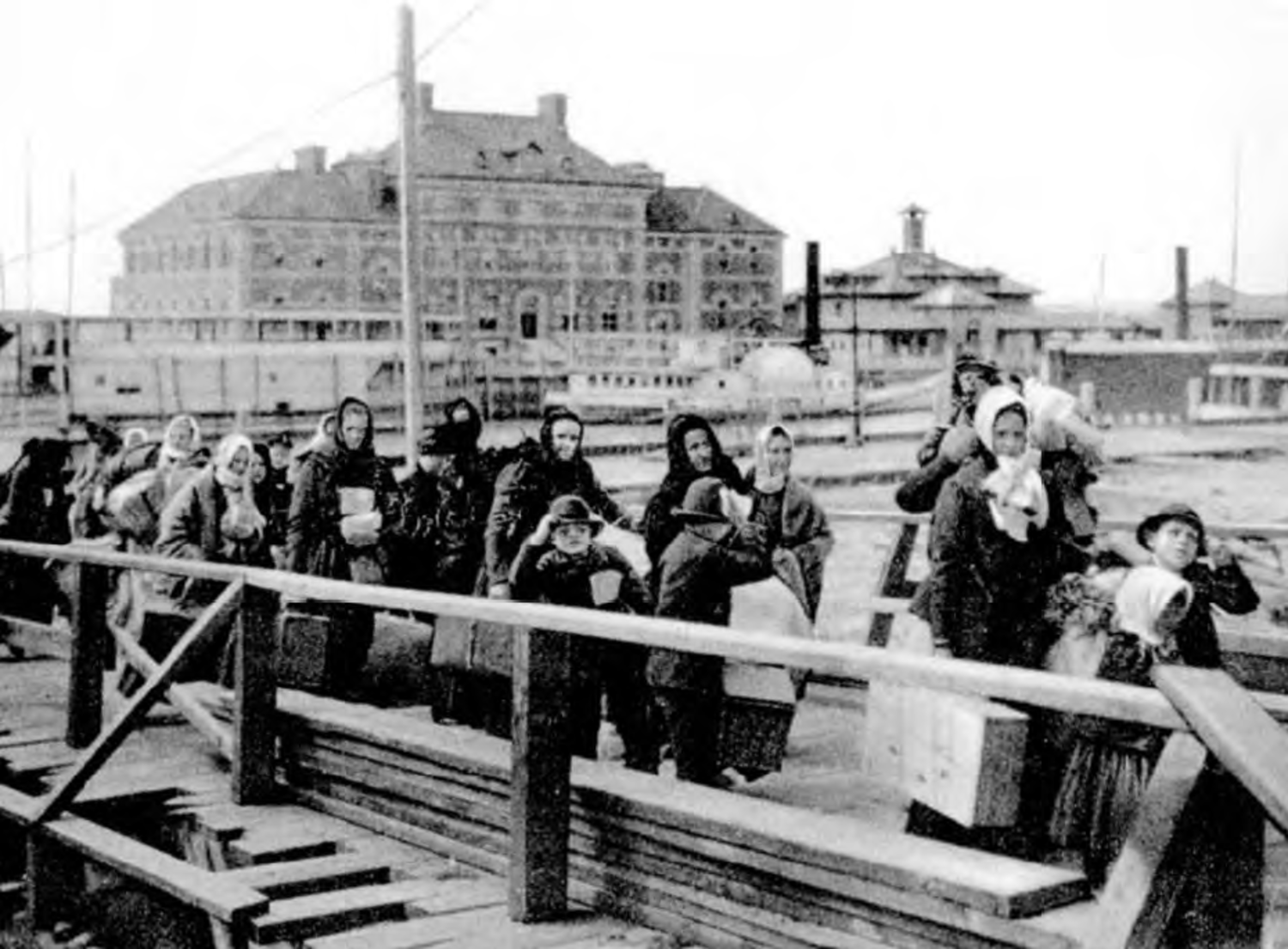 European immigrants arriving at Ellis Island in 1902